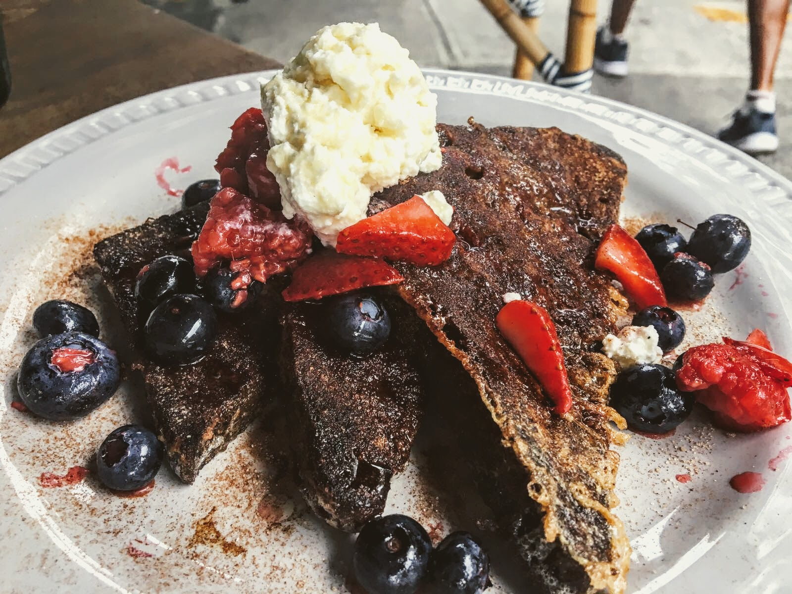 French toast with cinnamon, ricotta and fresh berries