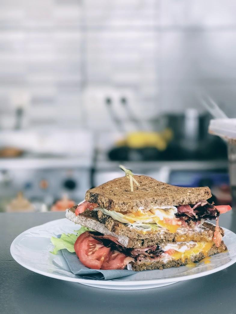 The egg B.L.T. at Elia Kafenes