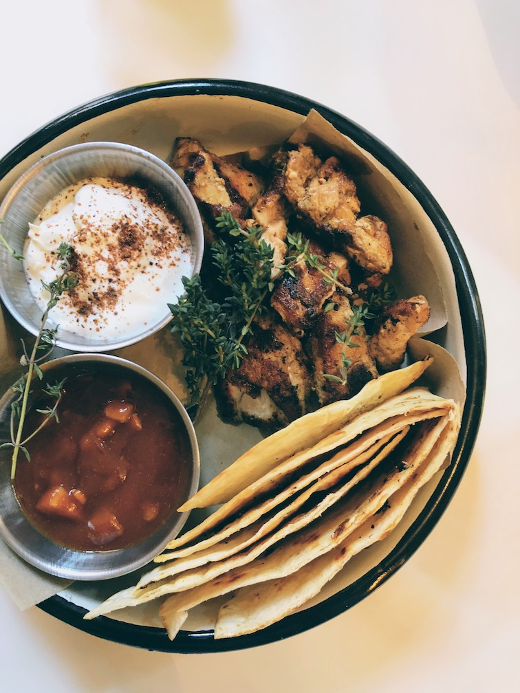 Chicken Massala with fresh indian pitta breads