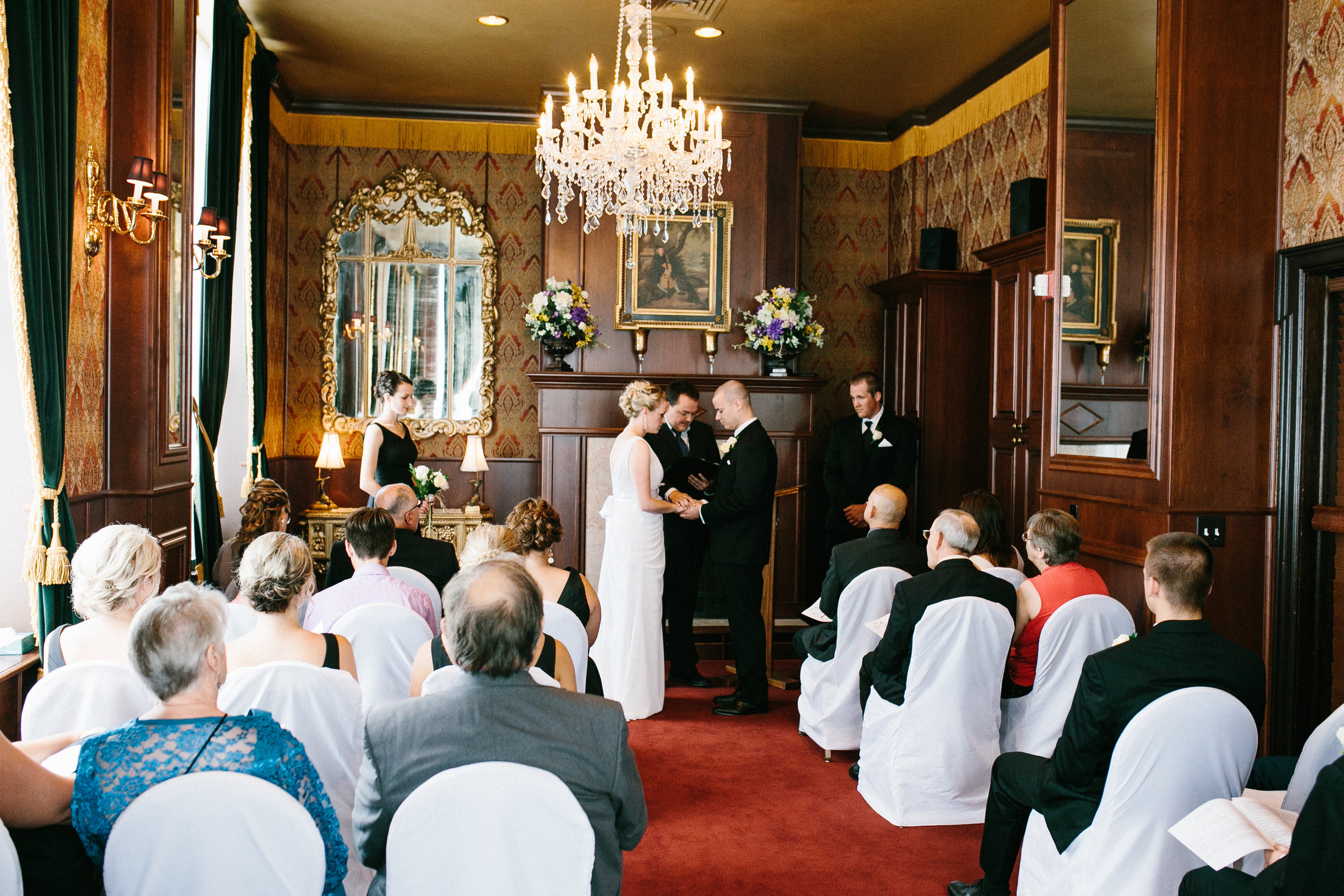 janelle elaine photography-landmark inn-marquette-mi-wedding-122.jpg