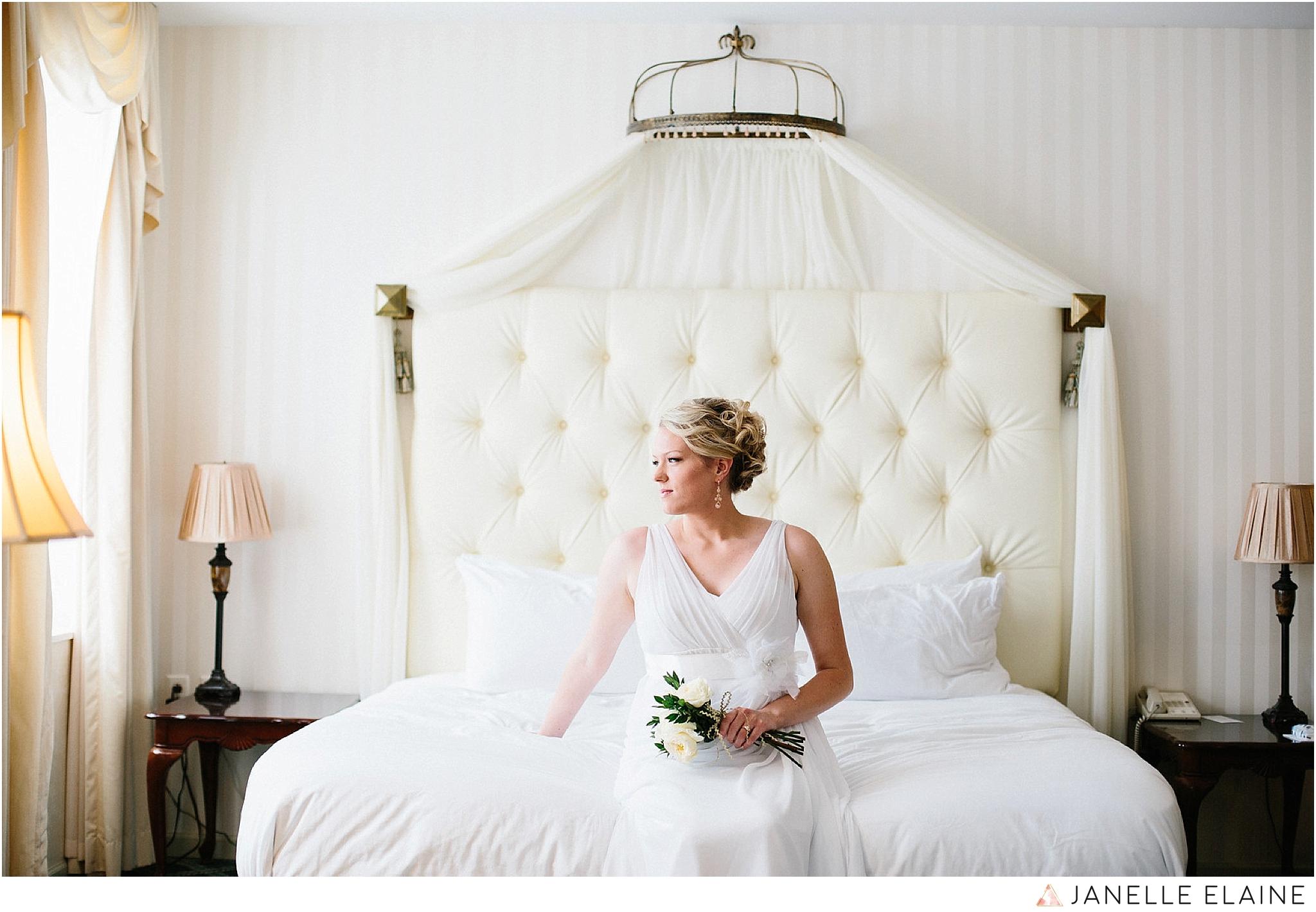 janelle elaine photography-landmark inn-marquette-mi-wedding-169-X3.jpg