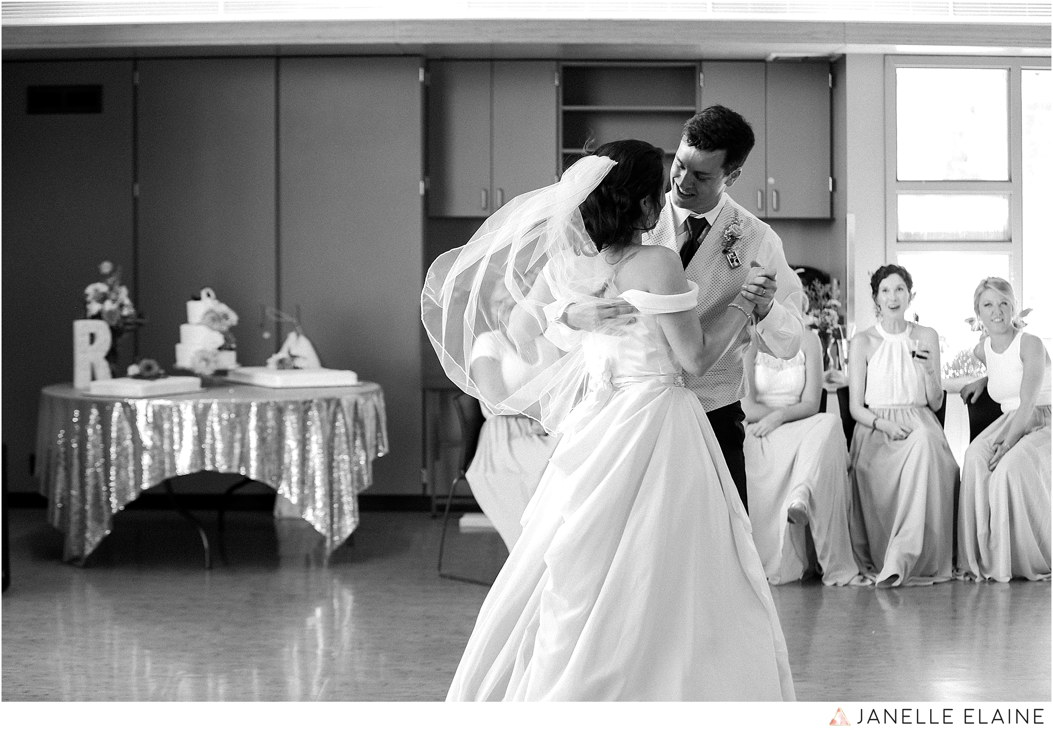 janelle elaine photography-jimmynicole-luther burbank park-seattle-wedding-196.jpg