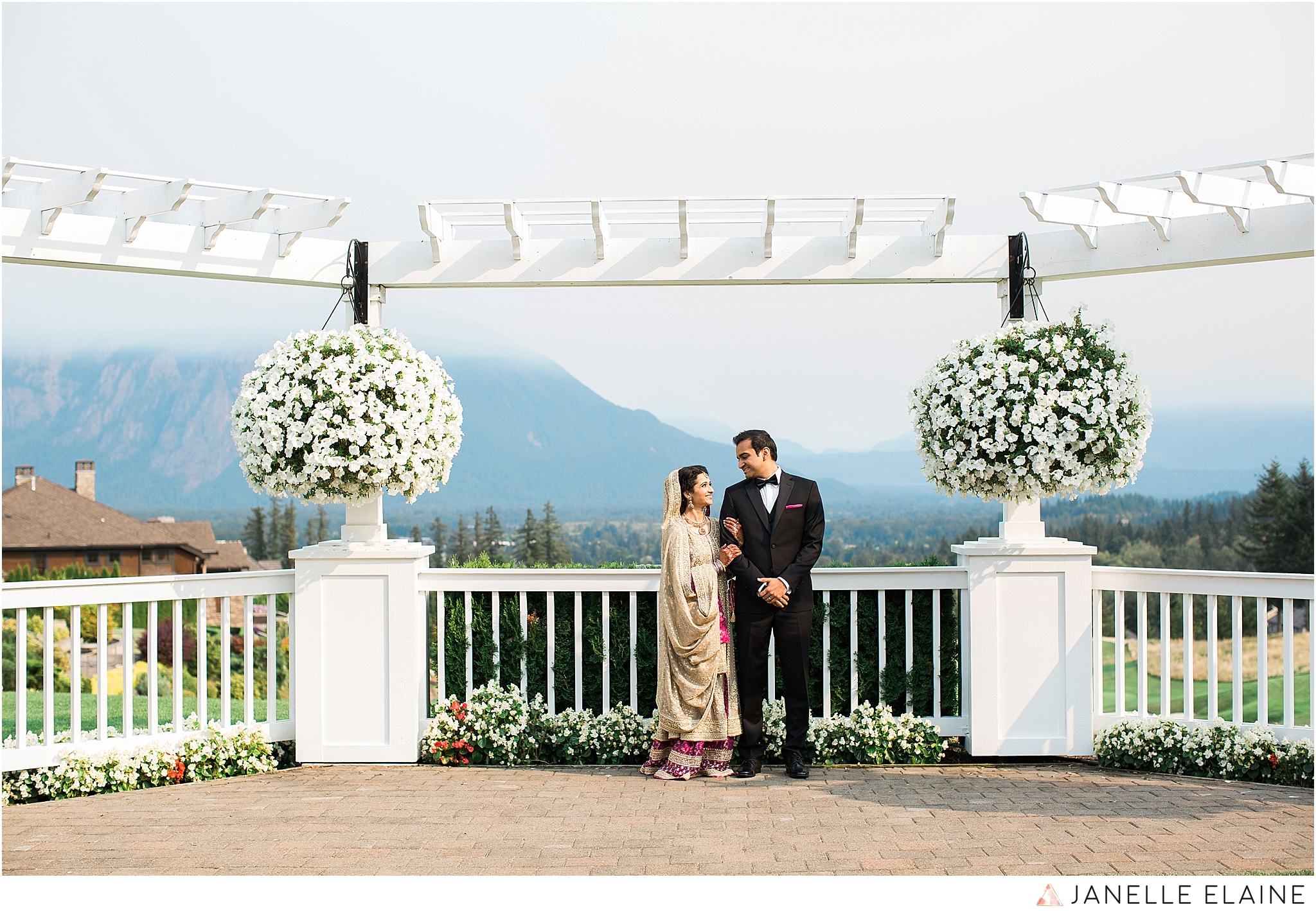 janelle elaine photography-the club at snoqualmie ridge-washington-wedding-photography-portraits-29.jpg