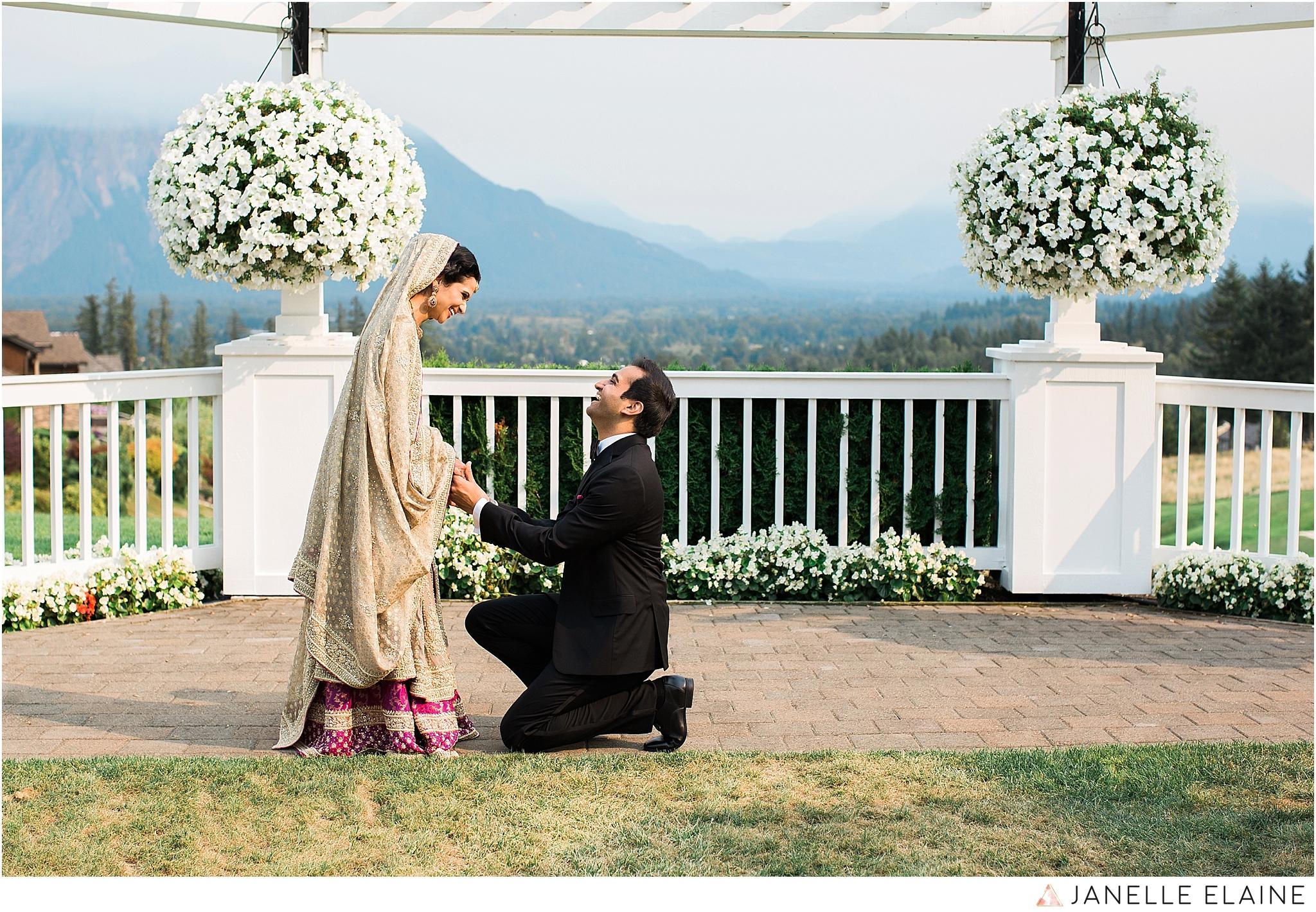 janelle elaine photography-the club at snoqualmie ridge-washington-wedding-photography-portraits-45.jpg