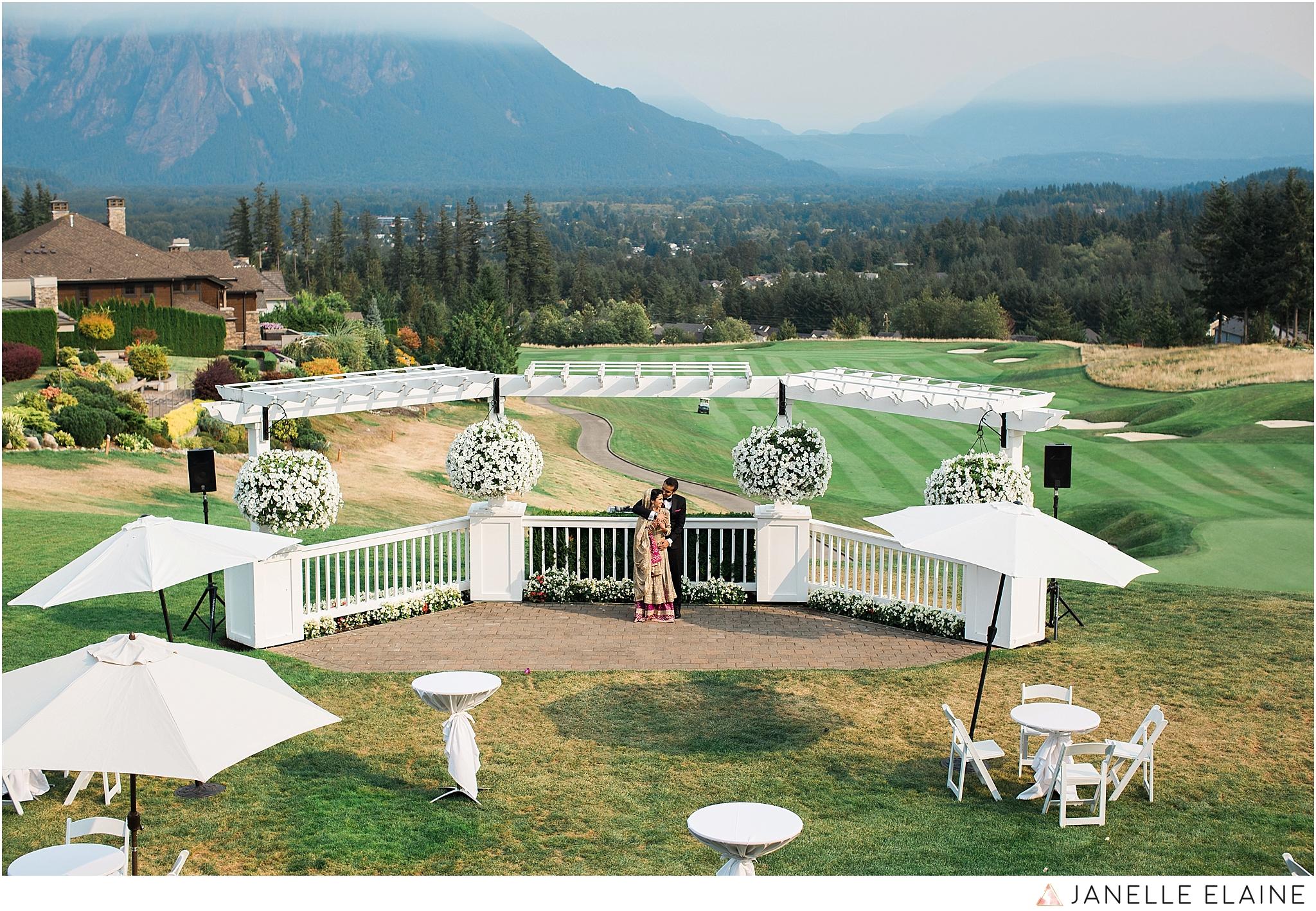 janelle elaine photography-the club at snoqualmie ridge-washington-wedding-photography-portraits-62.jpg