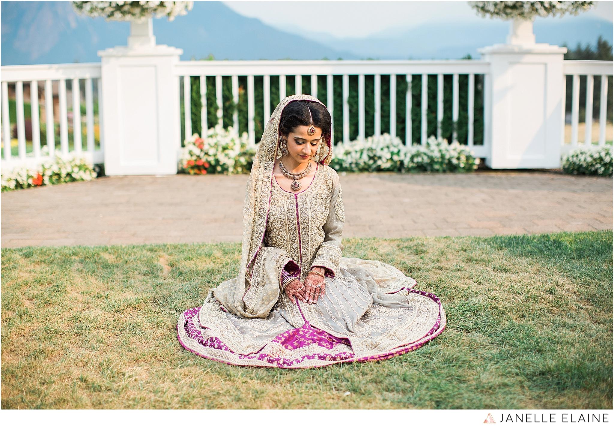 janelle elaine photography-the club at snoqualmie ridge-washington-wedding-photography-portraits-113.jpg
