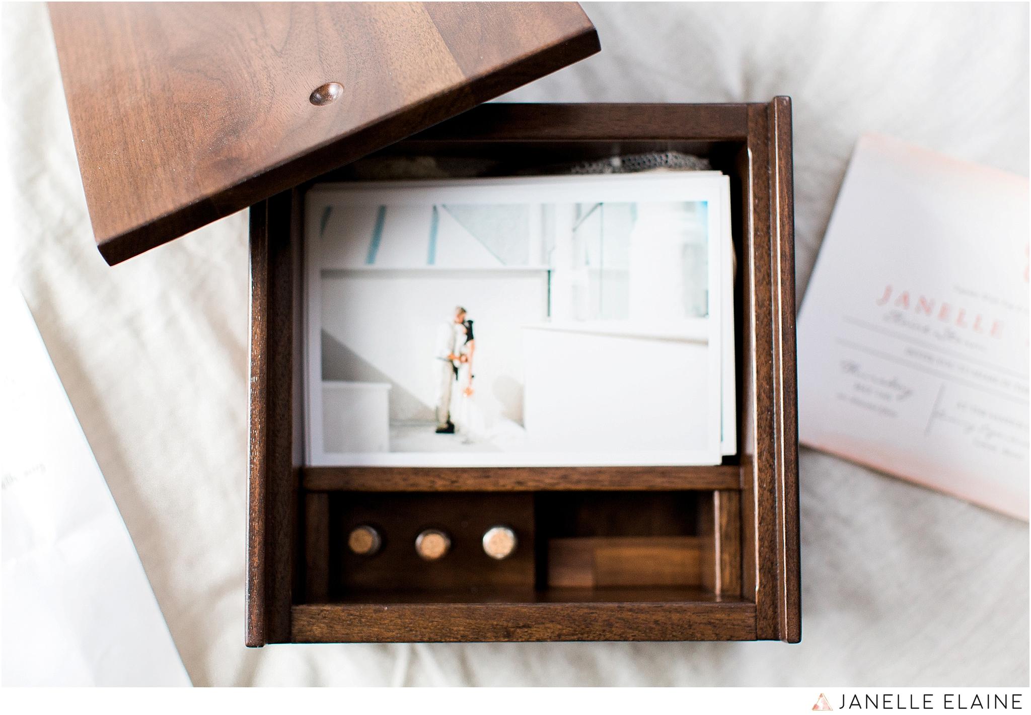 janelle elaine photography-wedding photography box-3.jpg
