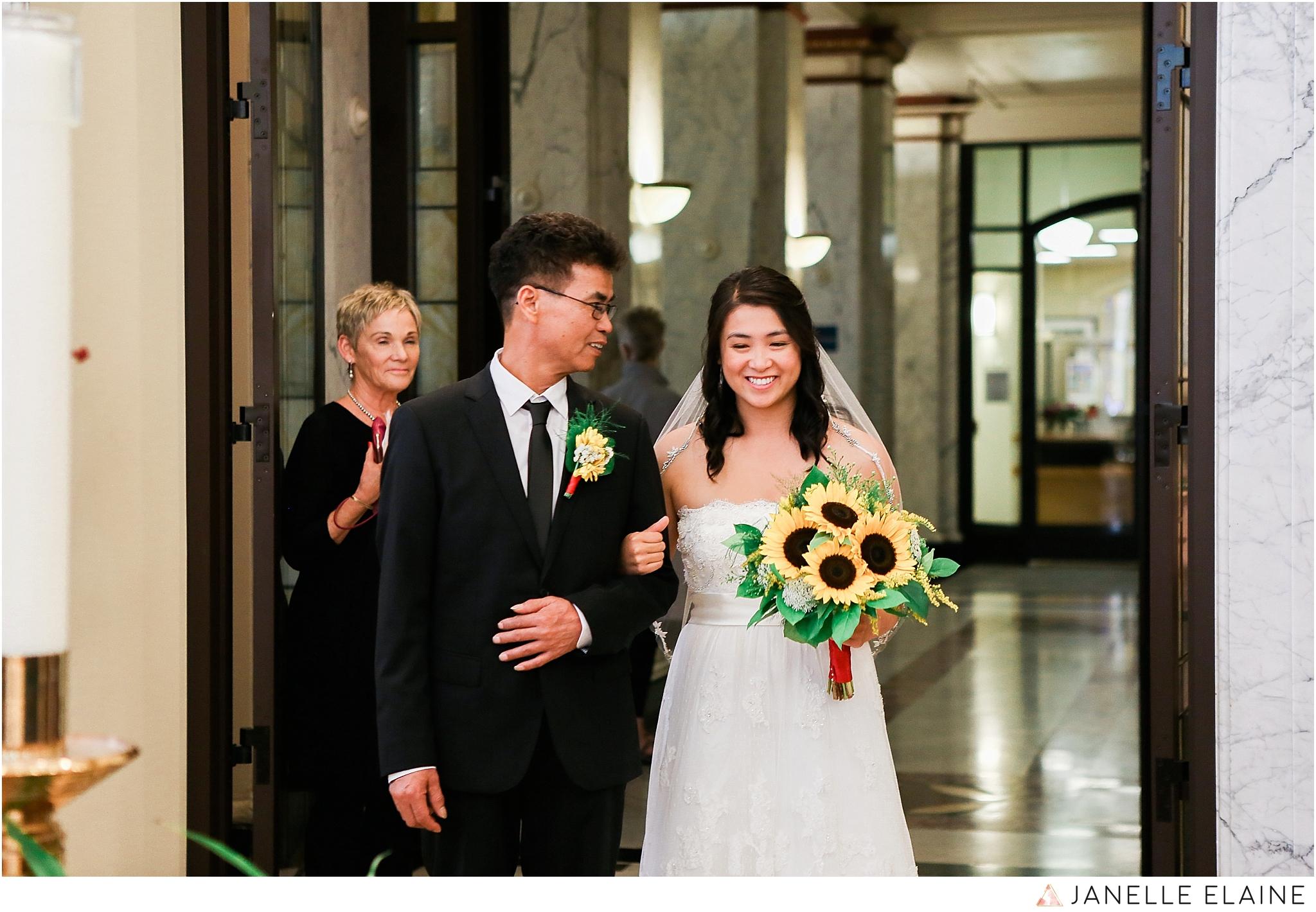 janelle elaine photography-professional wedding photographer seattle--41.jpg