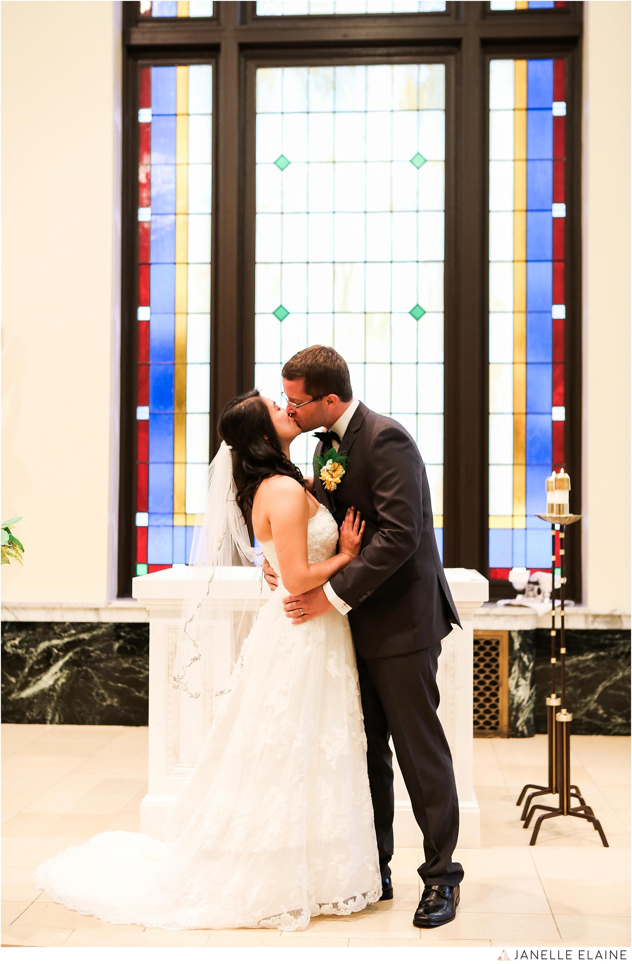 janelle elaine photography-professional wedding photographer seattle--50.jpg
