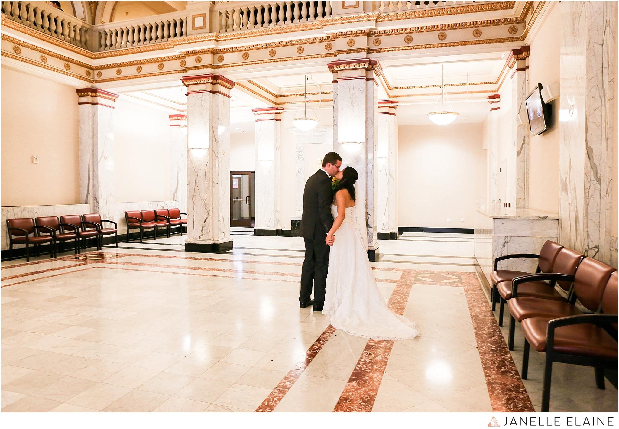 janelle elaine photography-professional wedding photographer seattle--53.jpg