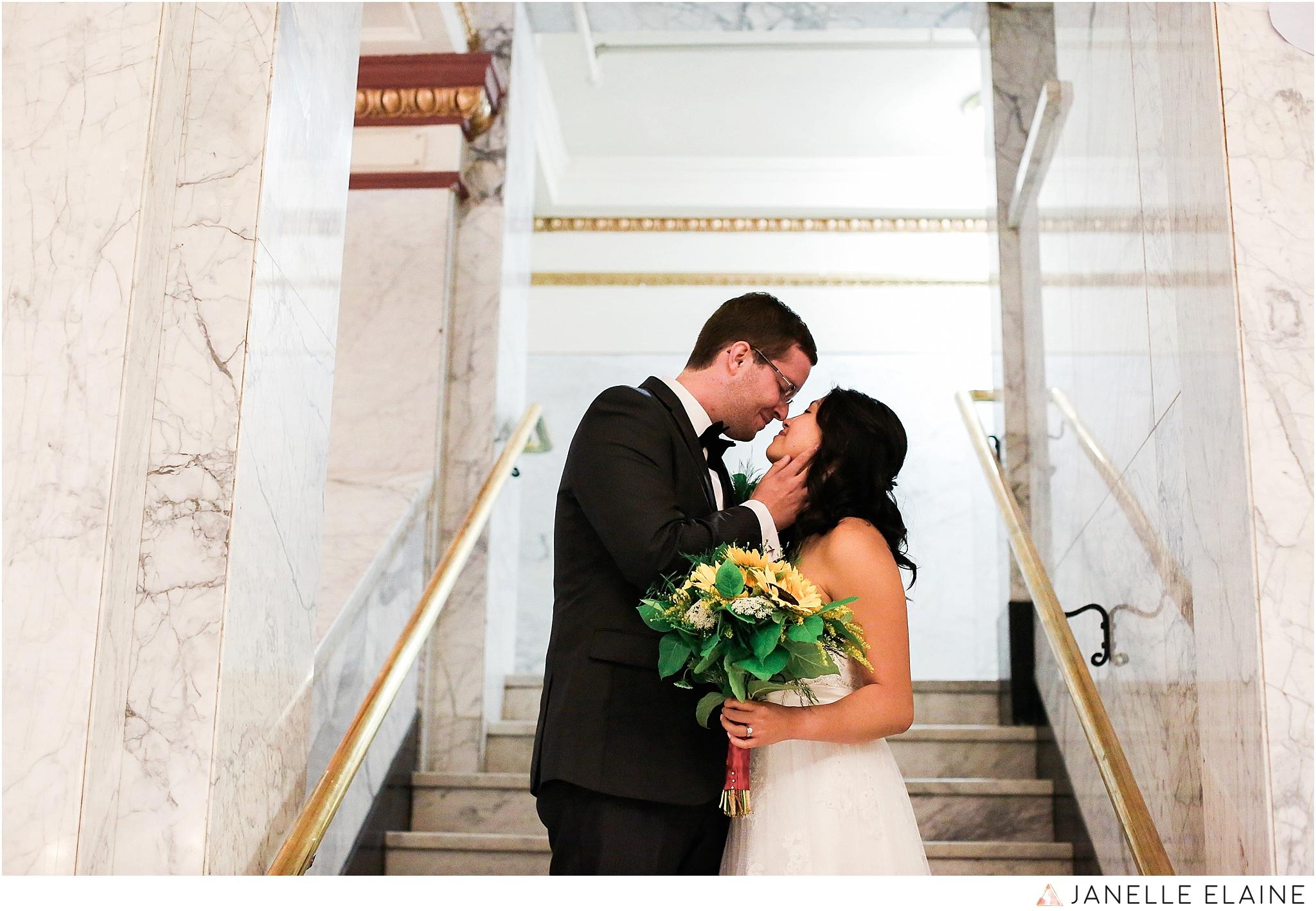 janelle elaine photography-professional wedding photographer seattle--72.jpg