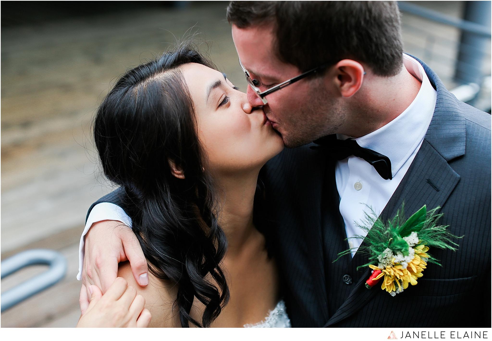 janelle elaine photography-professional wedding photographer seattle--91.jpg