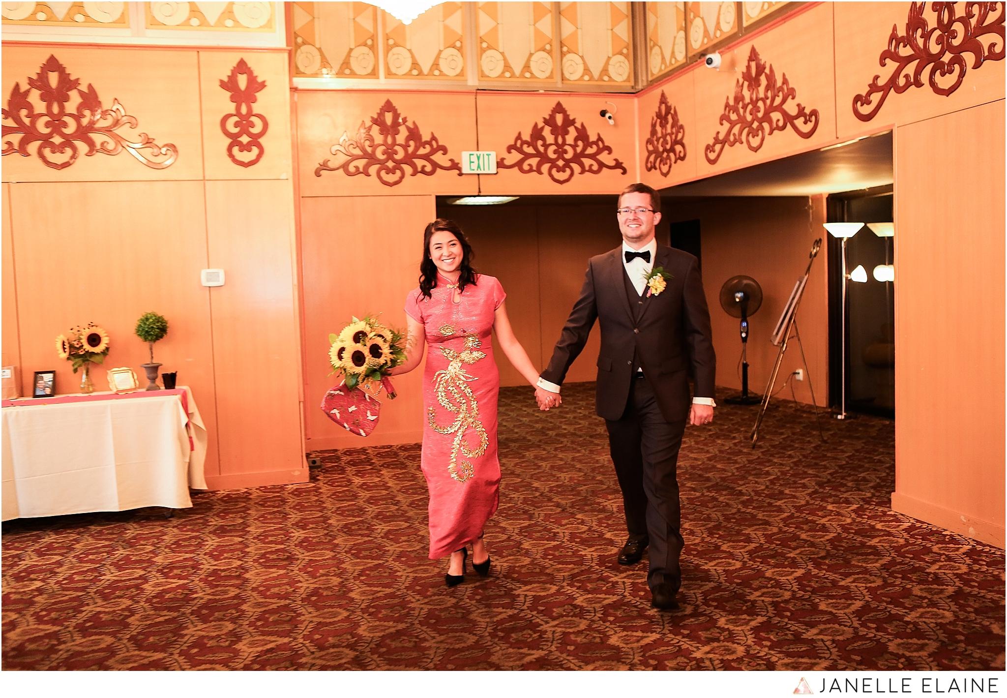 janelle elaine photography-professional wedding photographer seattle--122.jpg