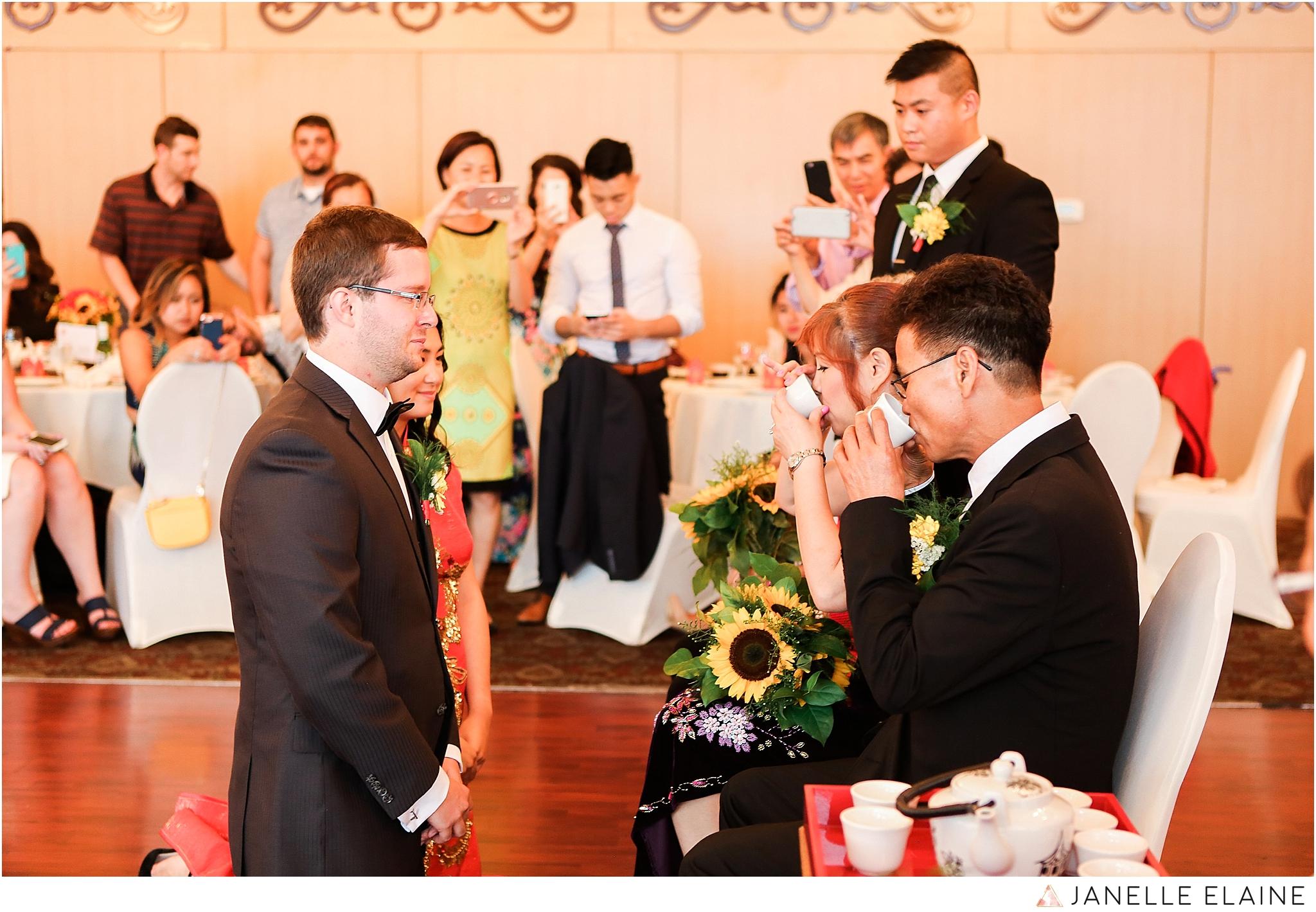 janelle elaine photography-professional wedding photographer seattle--125.jpg