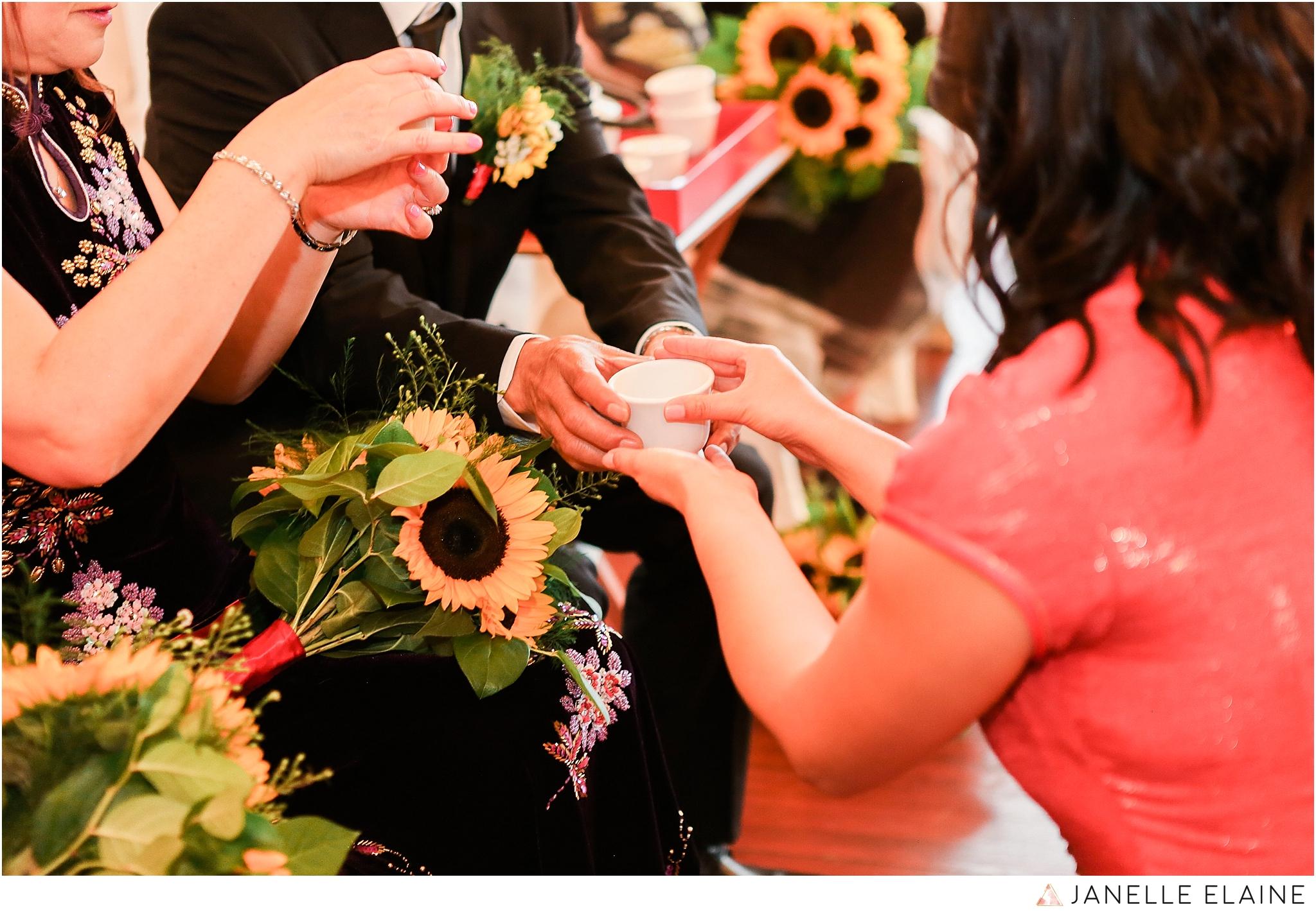 janelle elaine photography-professional wedding photographer seattle--128.jpg