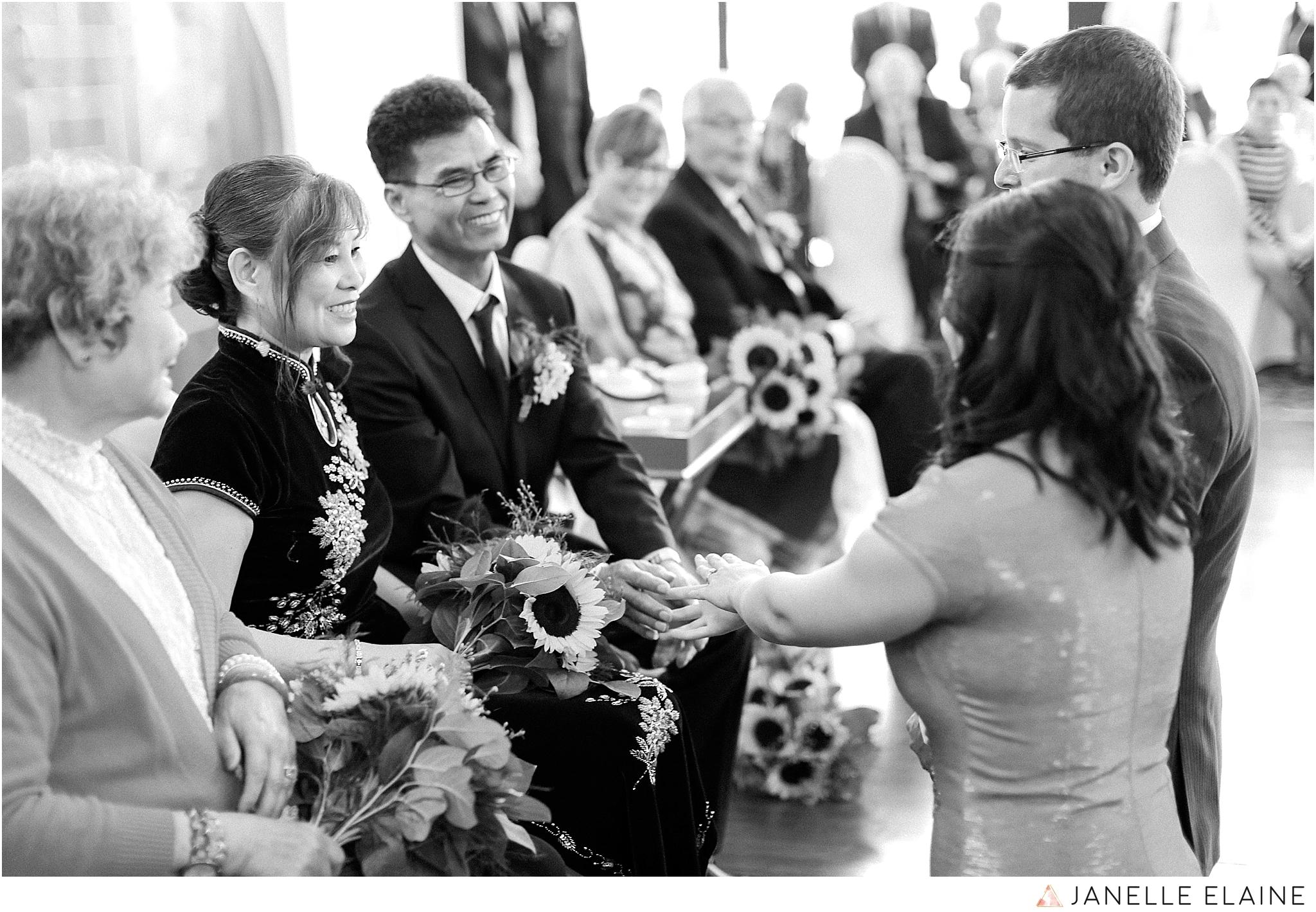 janelle elaine photography-professional wedding photographer seattle--131.jpg
