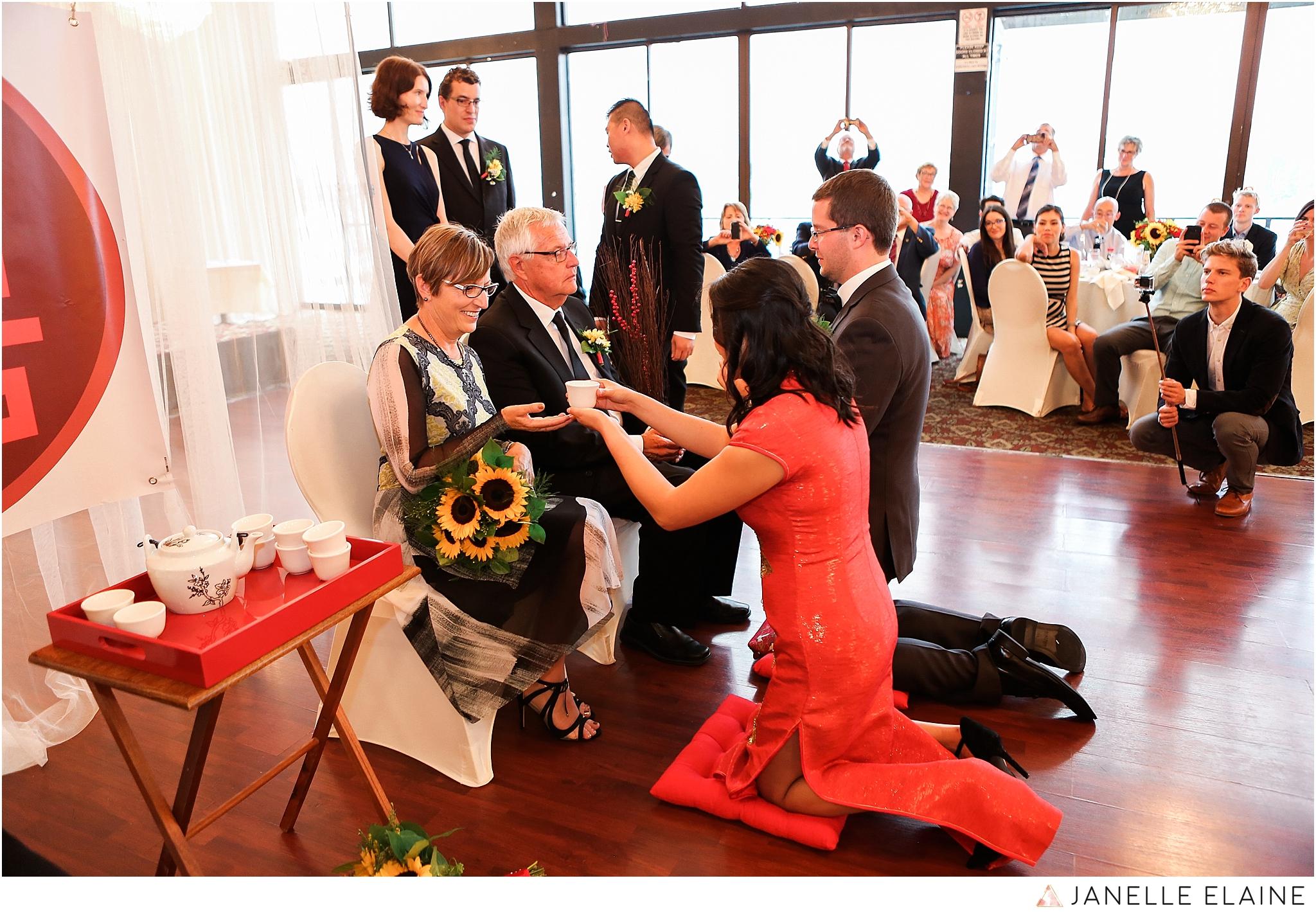 janelle elaine photography-professional wedding photographer seattle--133.jpg