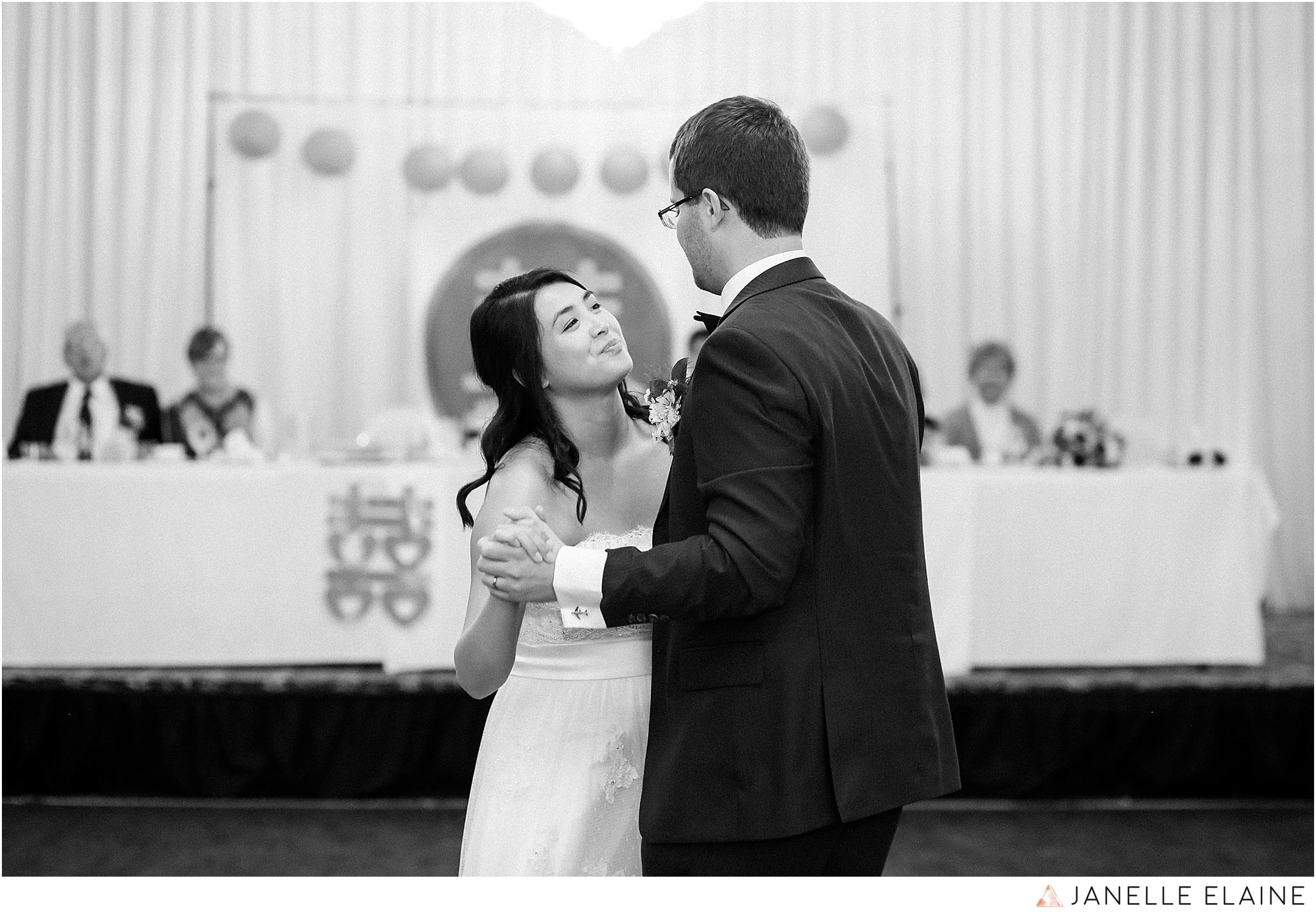 janelle elaine photography-professional wedding photographer seattle--176.jpg