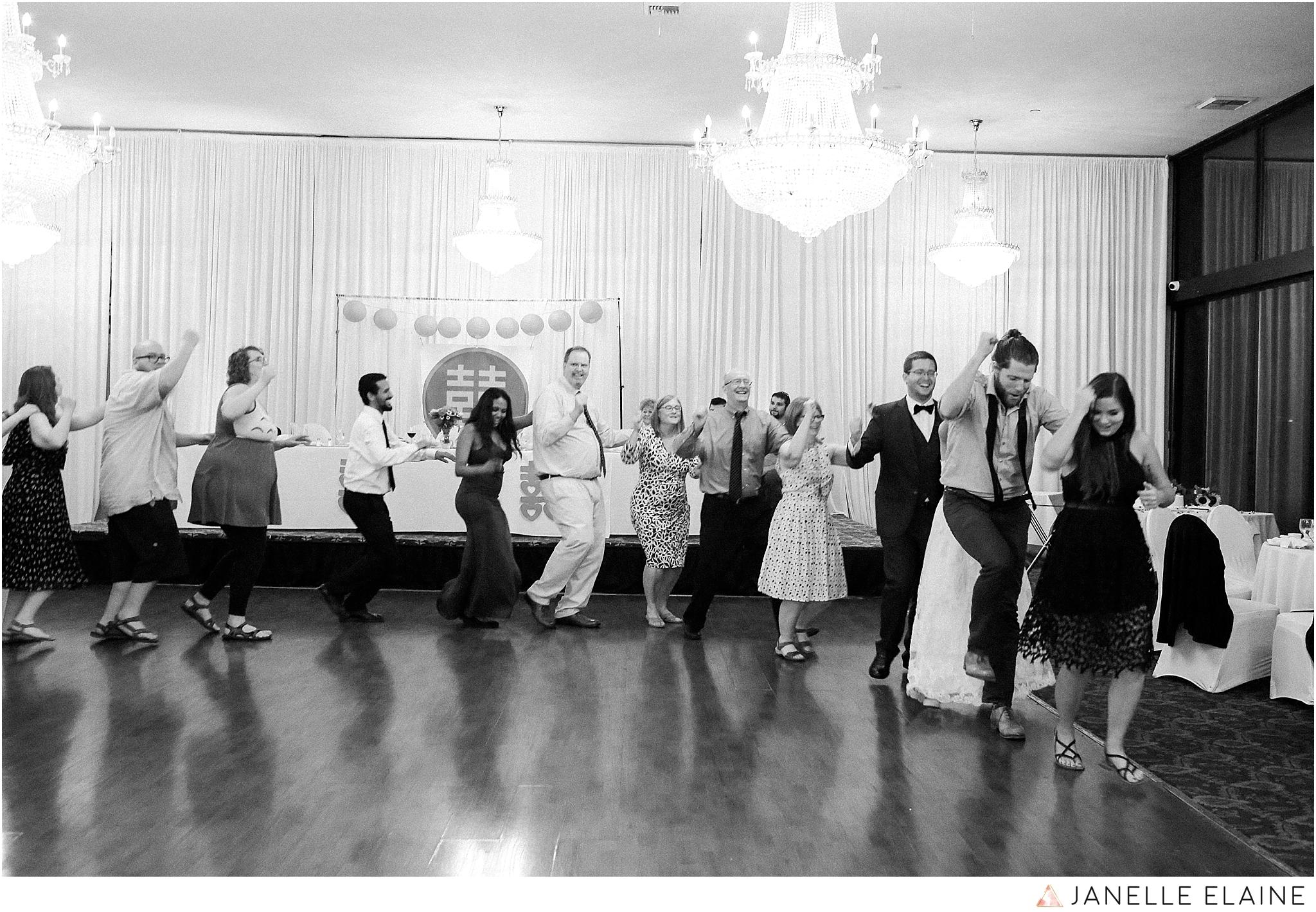 janelle elaine photography-professional wedding photographer seattle--197.jpg