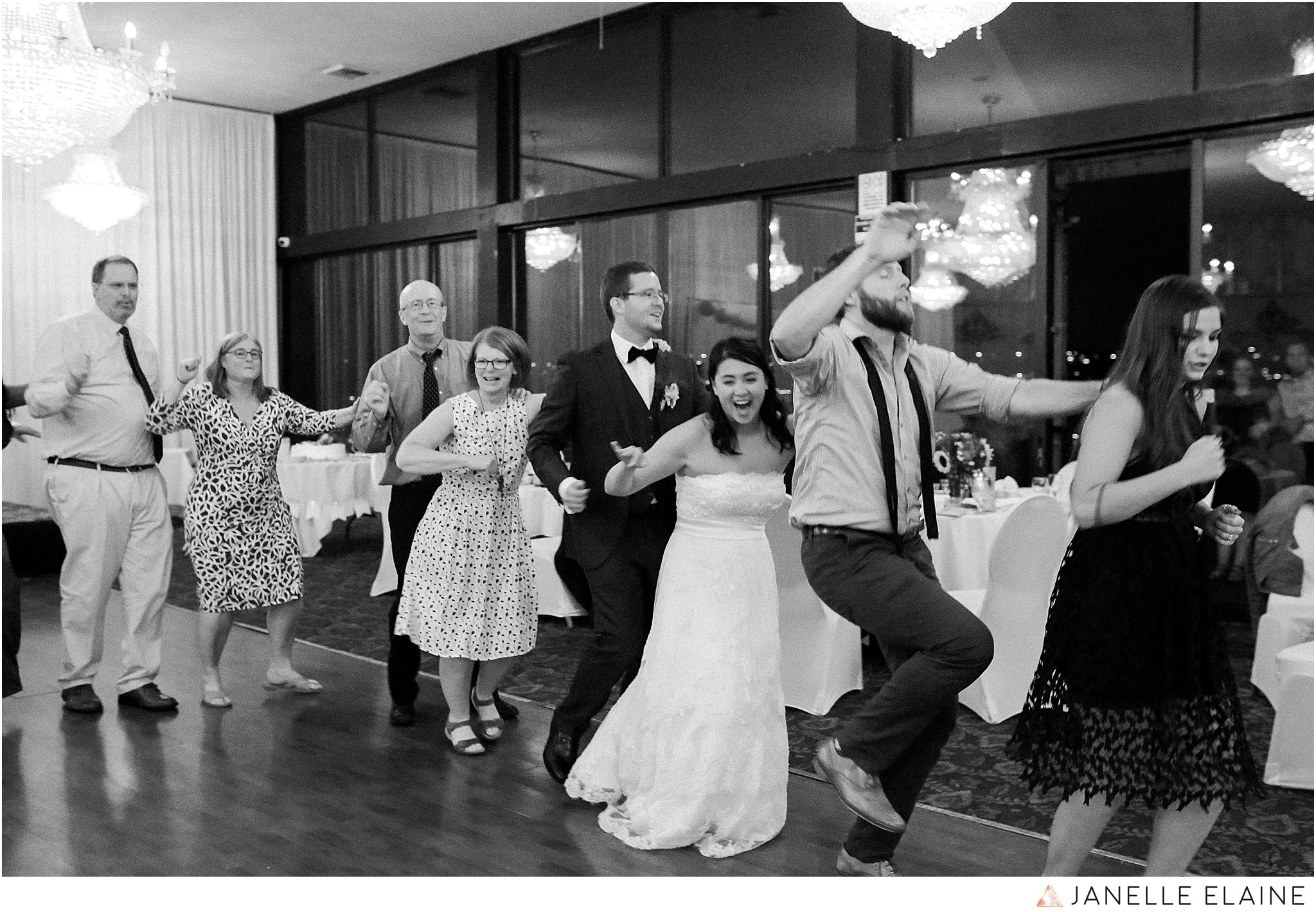 janelle elaine photography-professional wedding photographer seattle--198.jpg