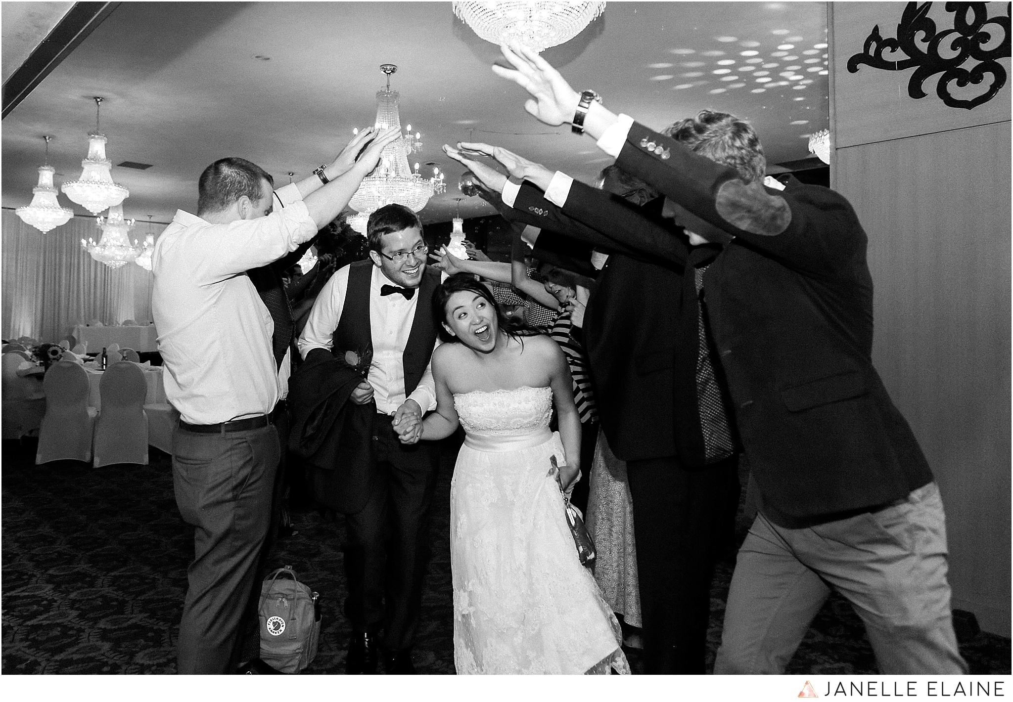 janelle elaine photography-professional wedding photographer seattle--216.jpg