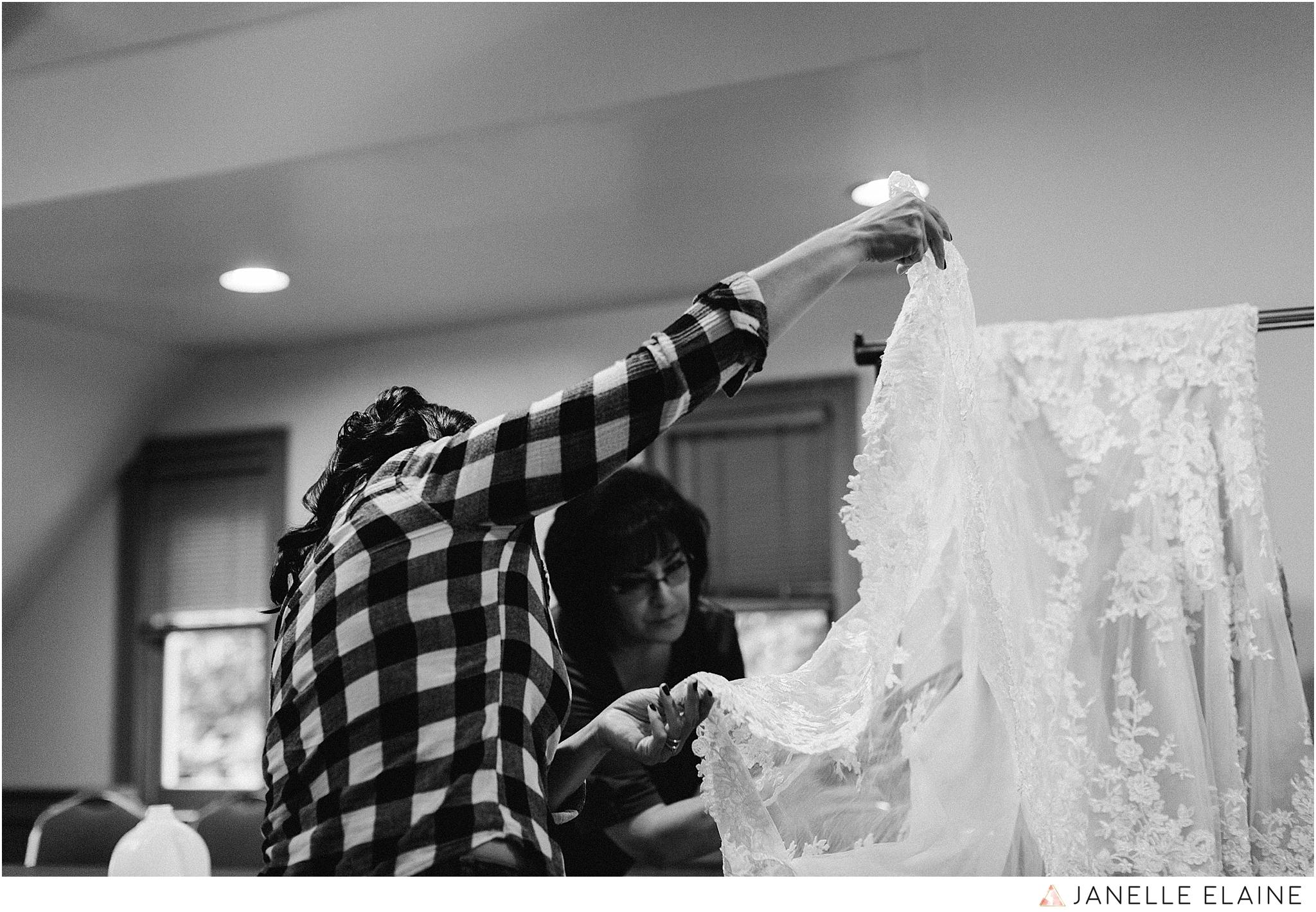 janelle elaine photography-professional wedding photographer-seattle-bellevue-robinswood house-38.jpg