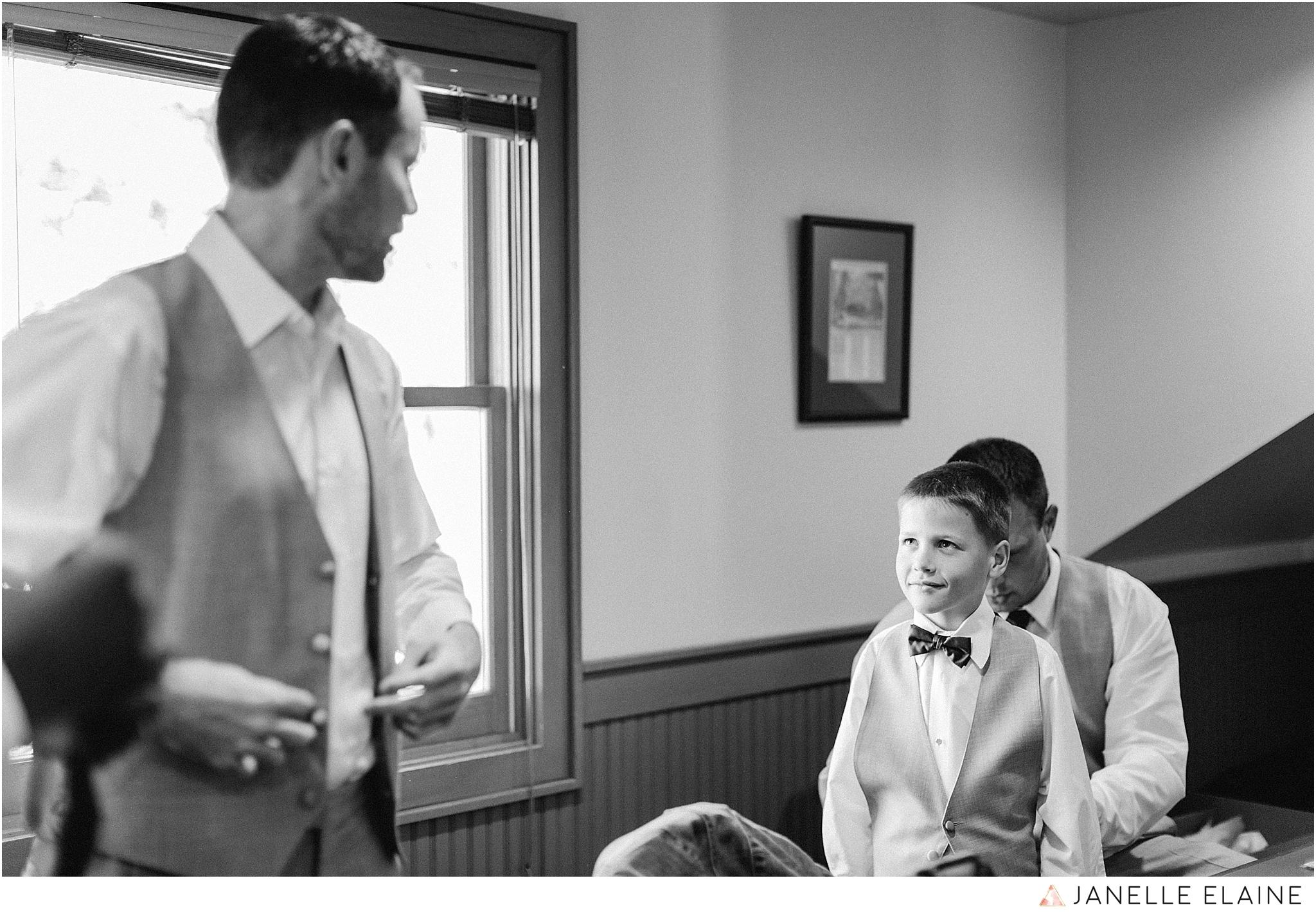 janelle elaine photography-professional wedding photographer-seattle-bellevue-robinswood house-56.jpg