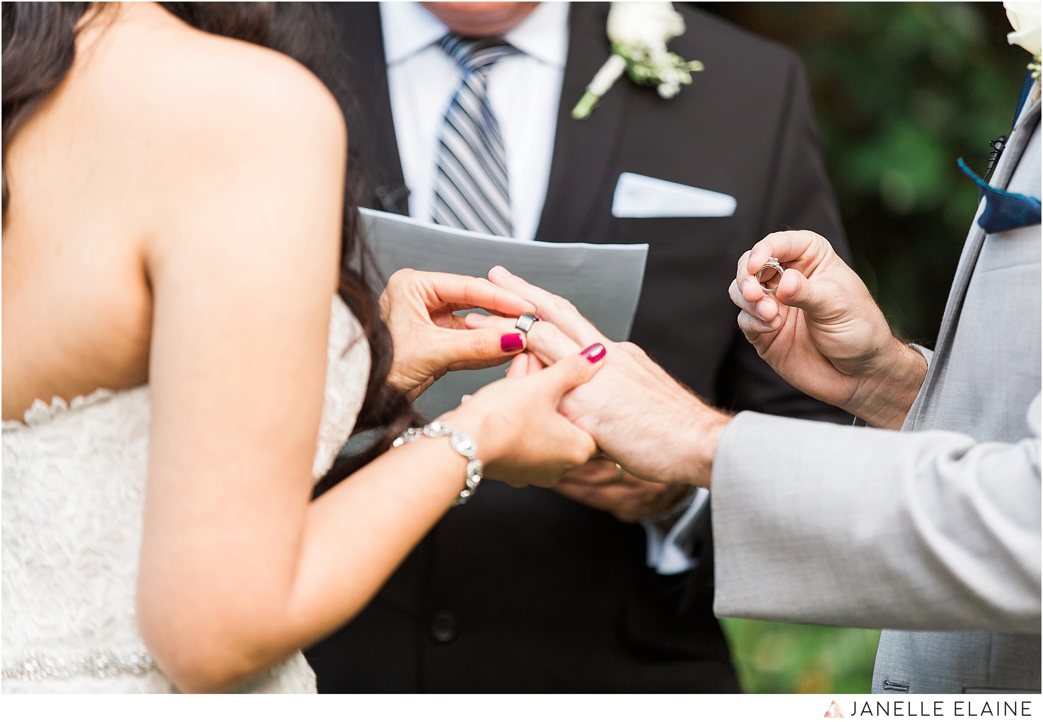 janelle elaine photography-professional wedding photographer-seattle-bellevue-robinswood house-169.jpg