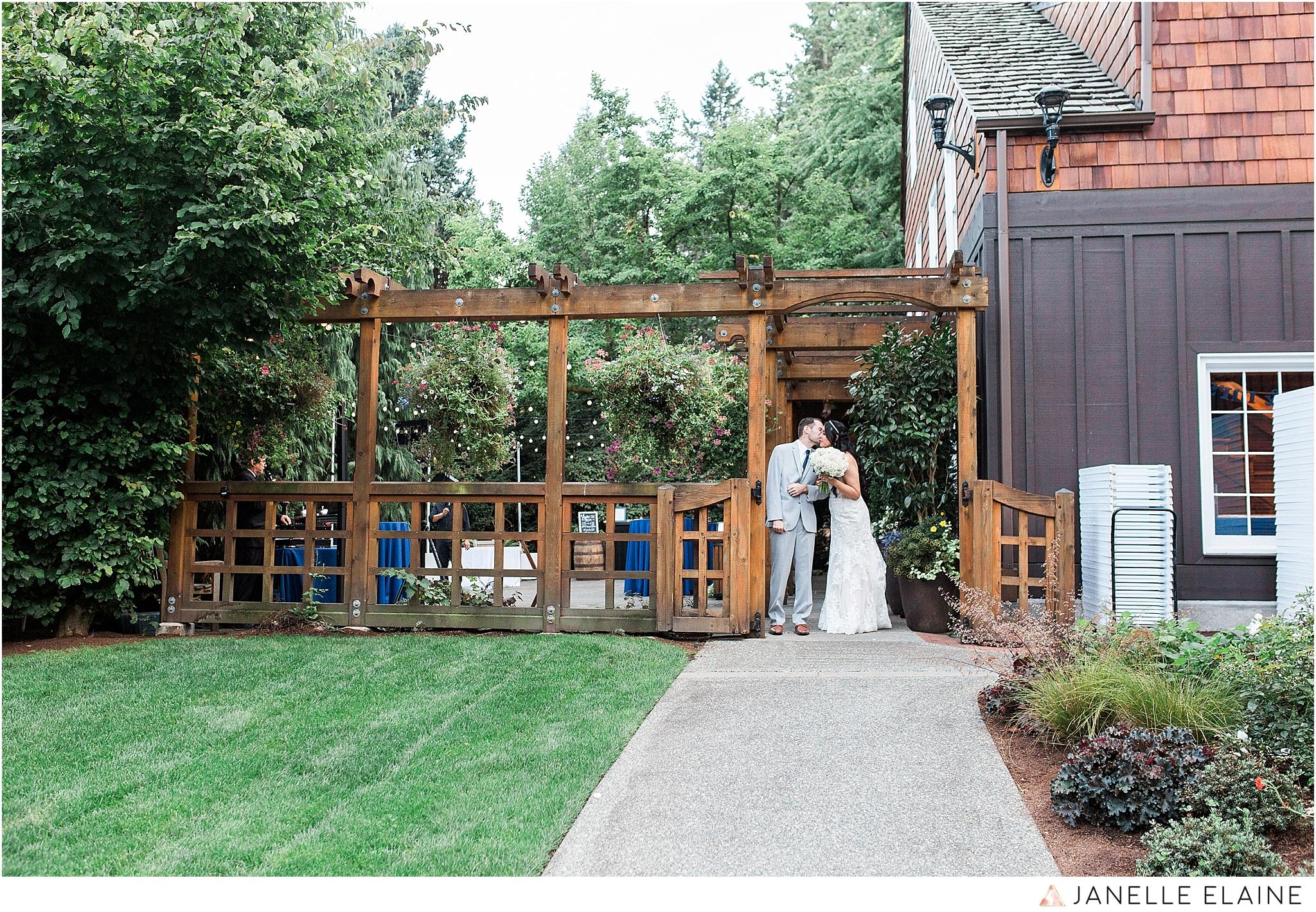 janelle elaine photography-professional wedding photographer-seattle-bellevue-robinswood house-252.jpg