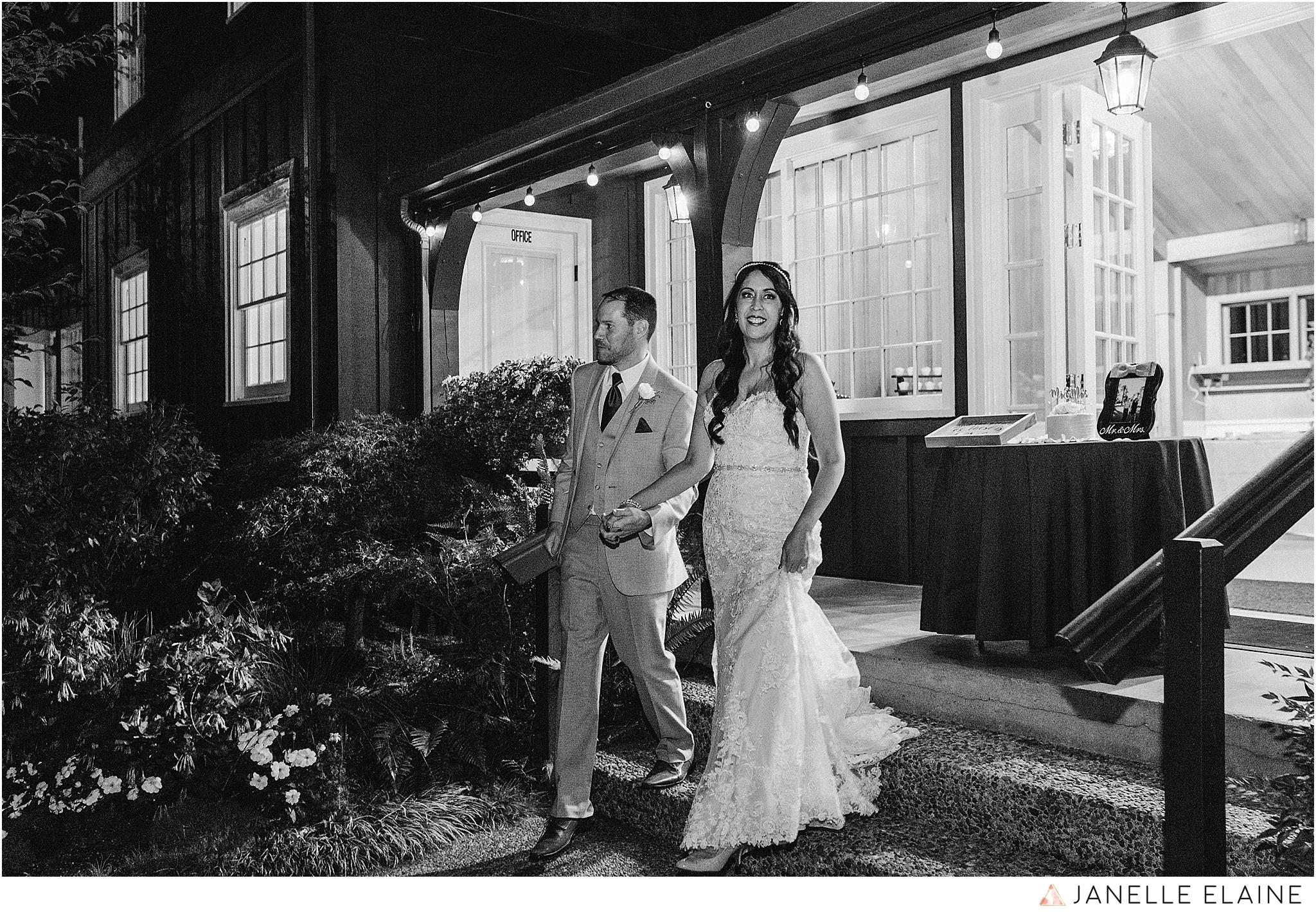 janelle elaine photography-professional wedding photographer-seattle-bellevue-robinswood house-274.jpg