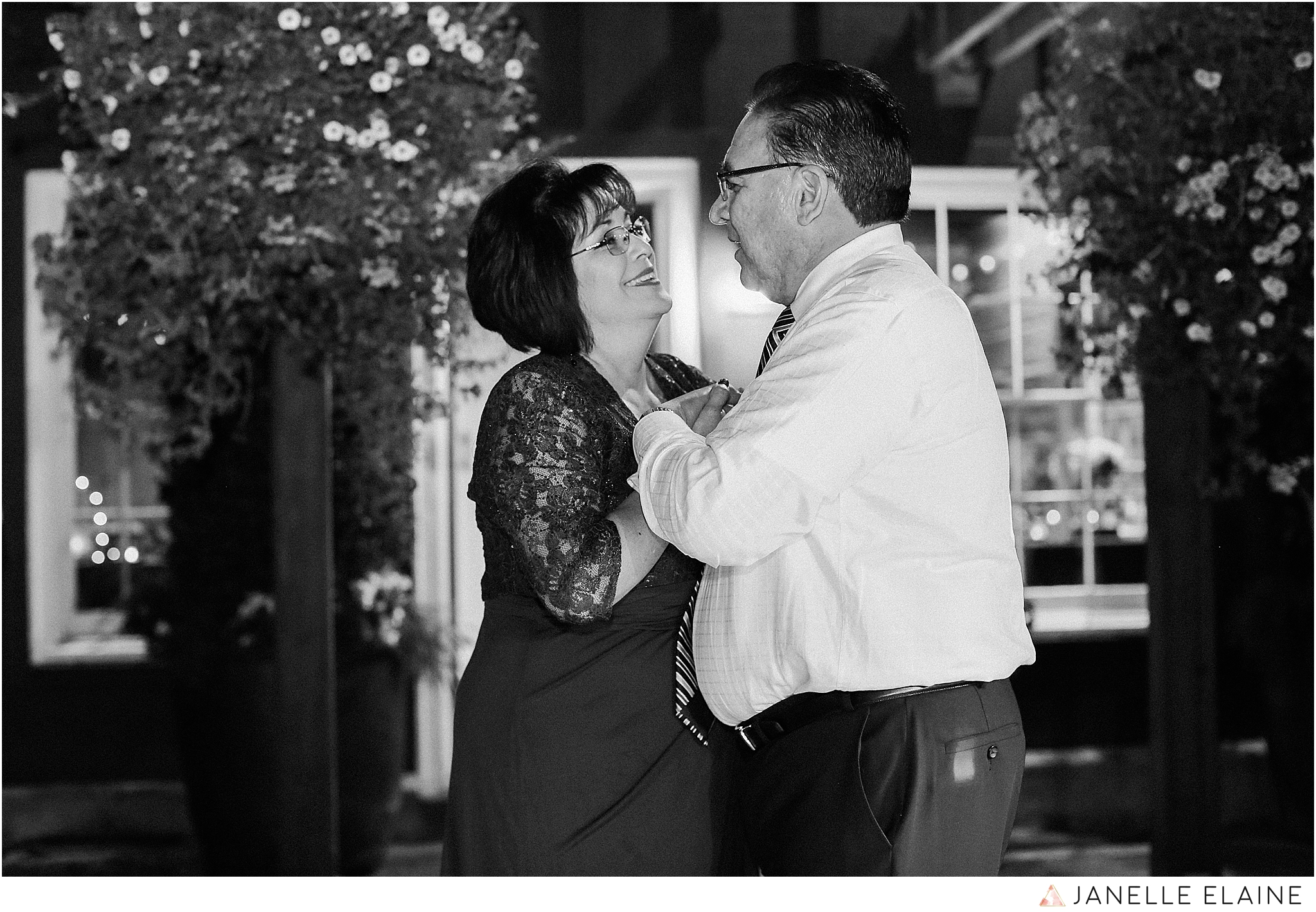 janelle elaine photography-professional wedding photographer-seattle-bellevue-robinswood house-301.jpg