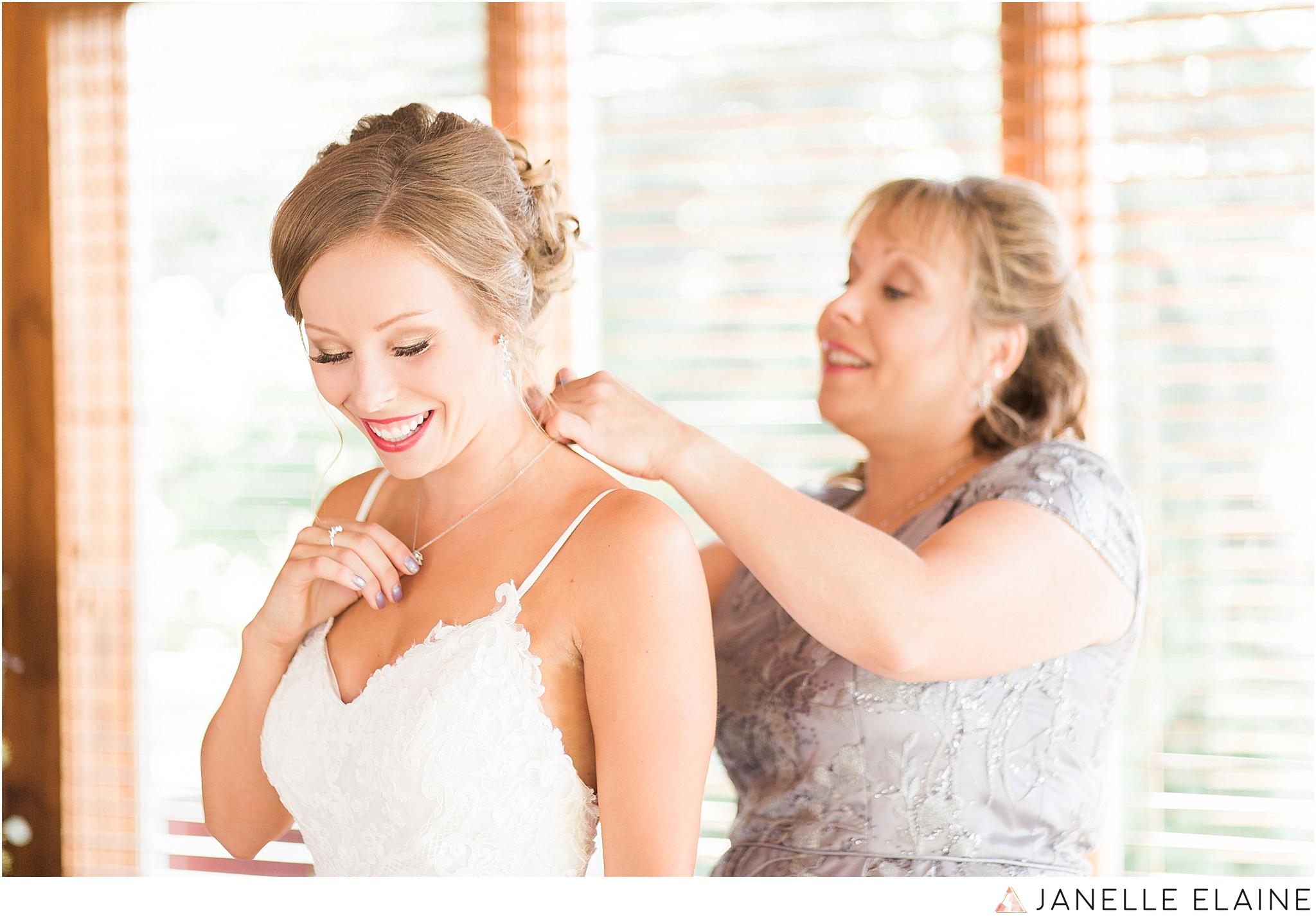 warnsholz-wedding-michigan-photography-janelle elaine photography-30.jpg