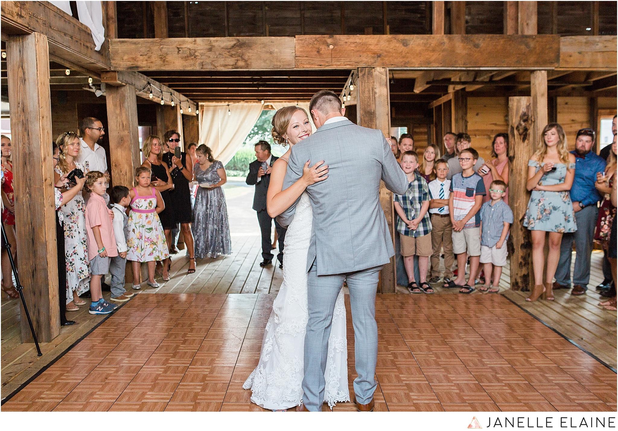 warnsholz-wedding-michigan-photography-janelle elaine photography-185.jpg