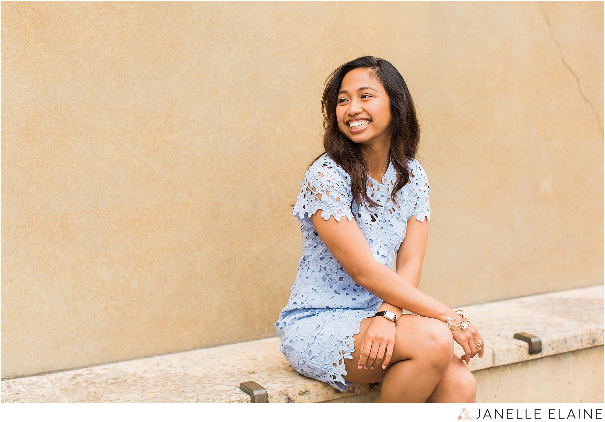 victoria meno-senior-portraits-janelle elaine photography-15.jpg