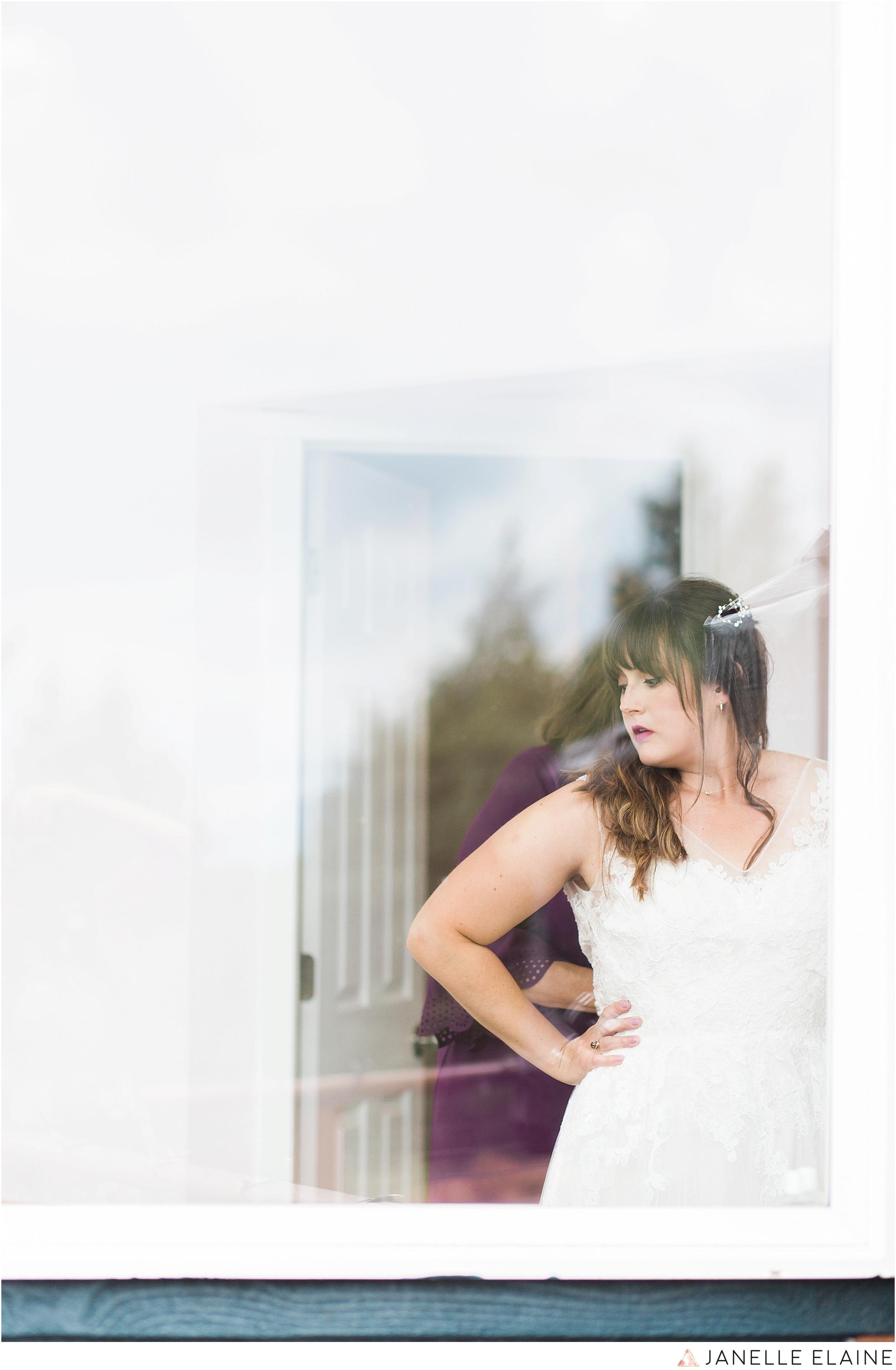 seattle-portrait-engagement-wedding-photographer-janelle-elaine-photography-3.jpg