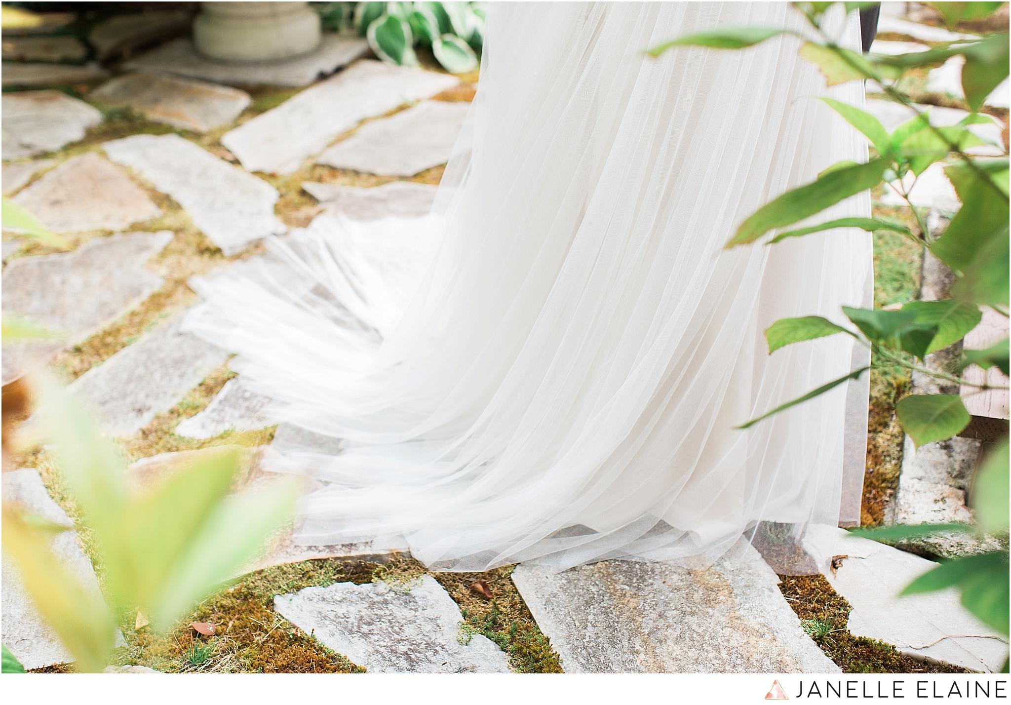 seattle-portrait-engagement-wedding-photographer-janelle-elaine-photography-17.jpg