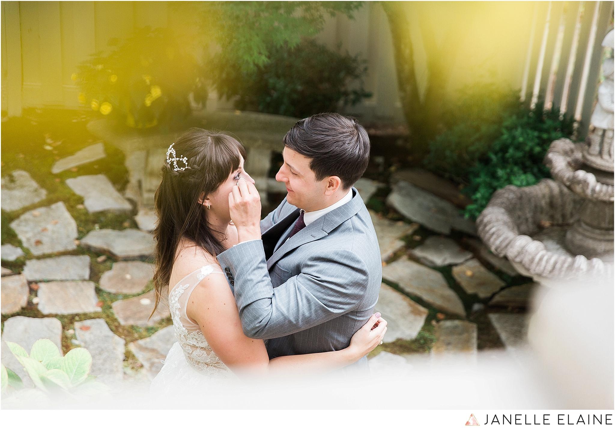 seattle-portrait-engagement-wedding-photographer-janelle-elaine-photography-18.jpg