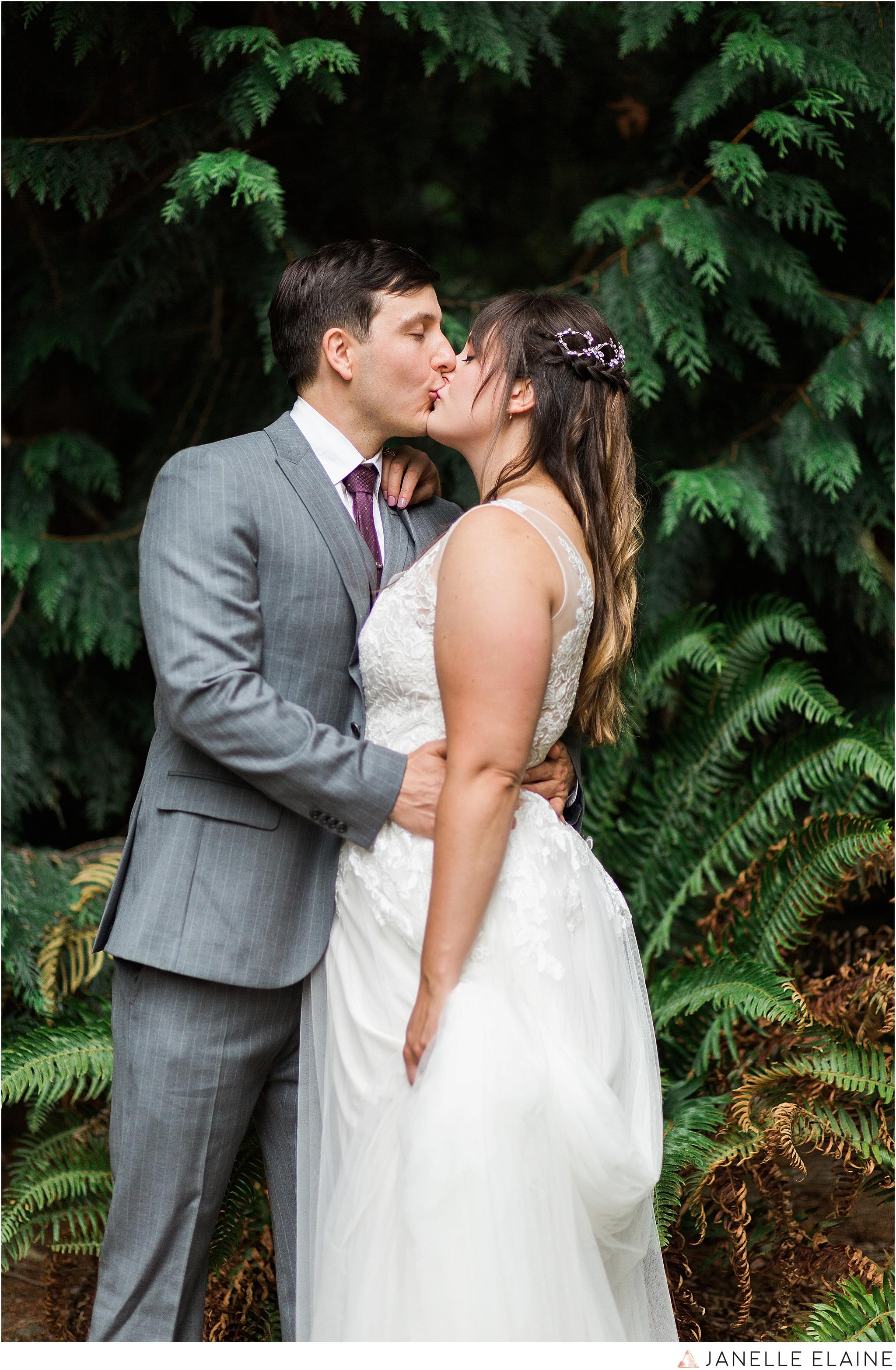 seattle-portrait-engagement-wedding-photographer-janelle-elaine-photography-25.jpg