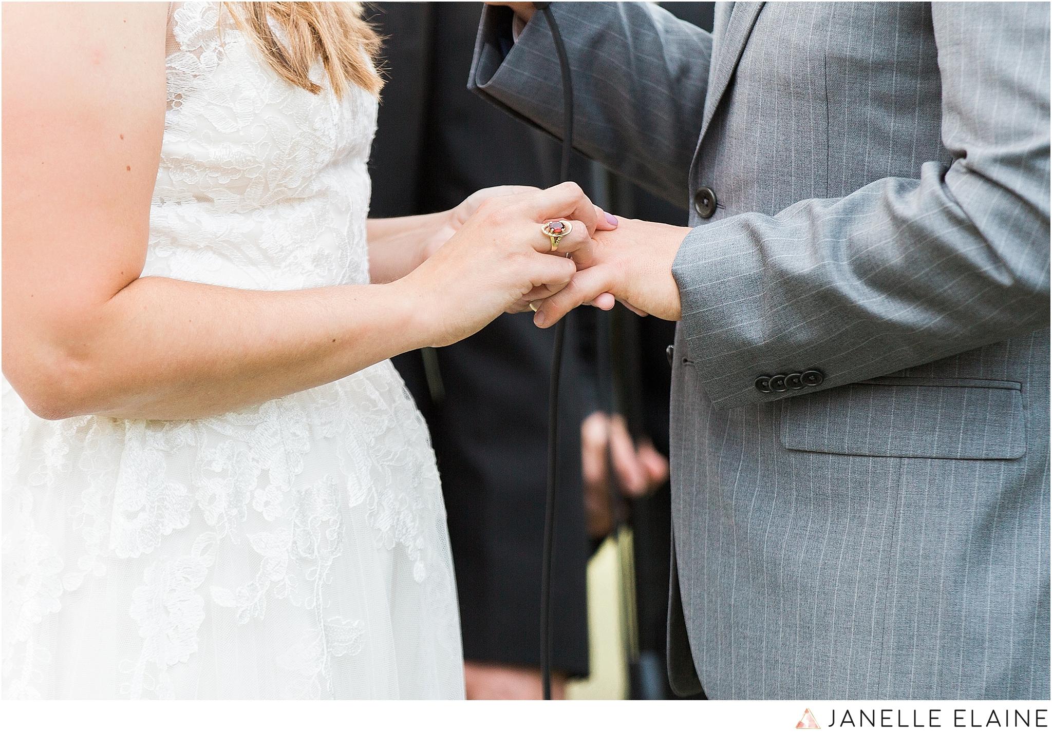 seattle-portrait-engagement-wedding-photographer-janelle-elaine-photography-64.jpg