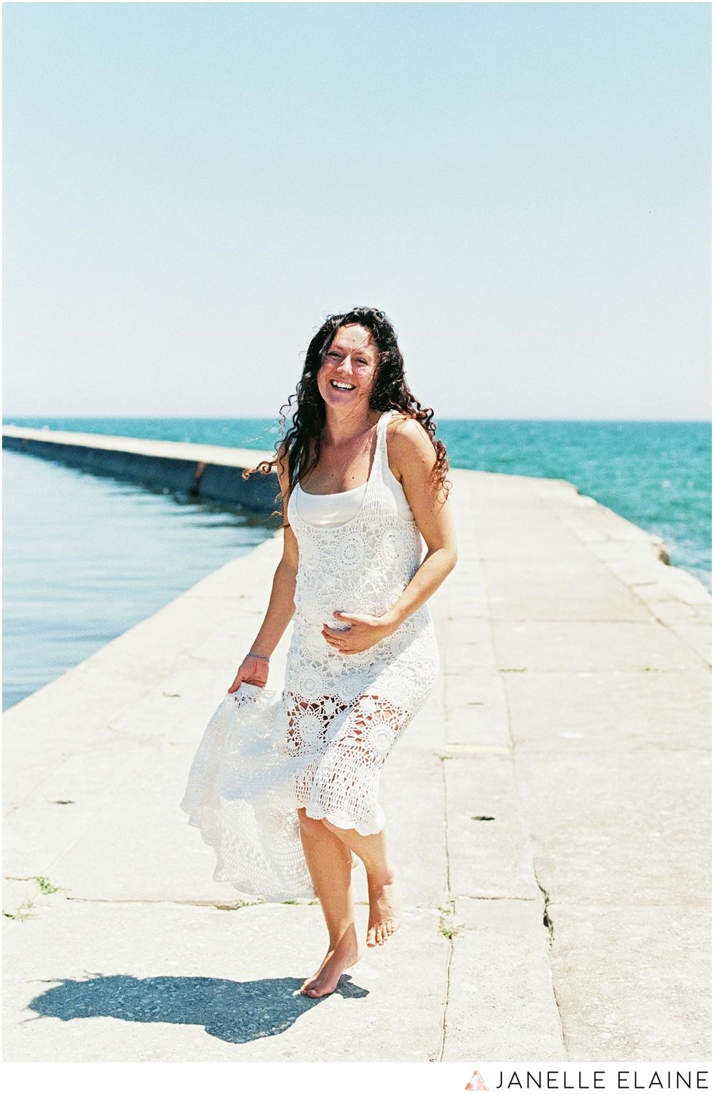 film photographer-portrait photographer-seattle-washington-maternity-3.jpg