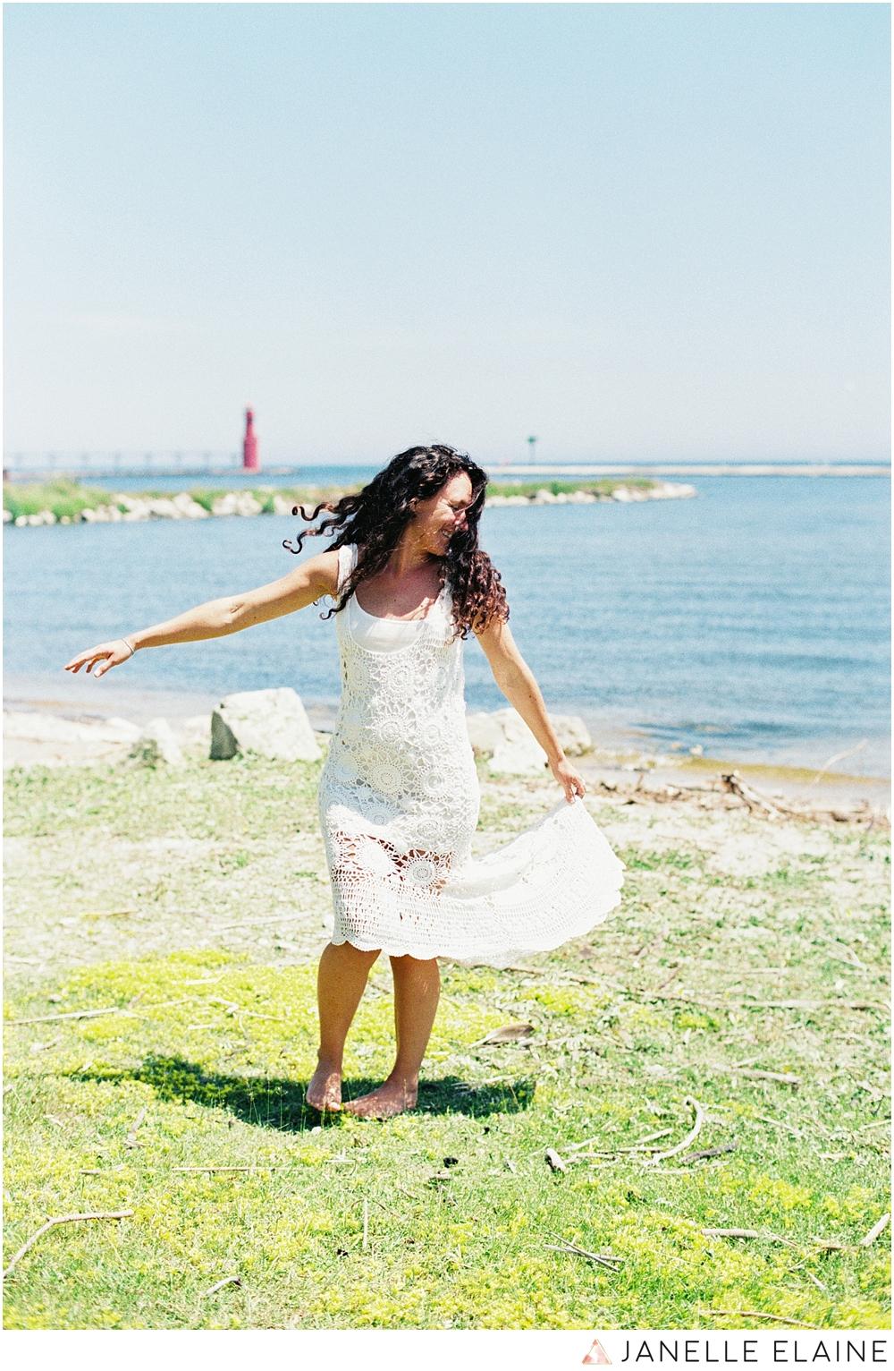 film photographer-portrait photographer-seattle-washington-maternity-8.jpg