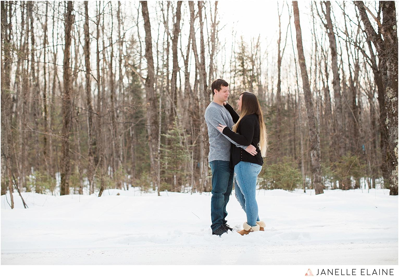 seattle-washington-engagement-photographers-janelle elaine-4.jpg
