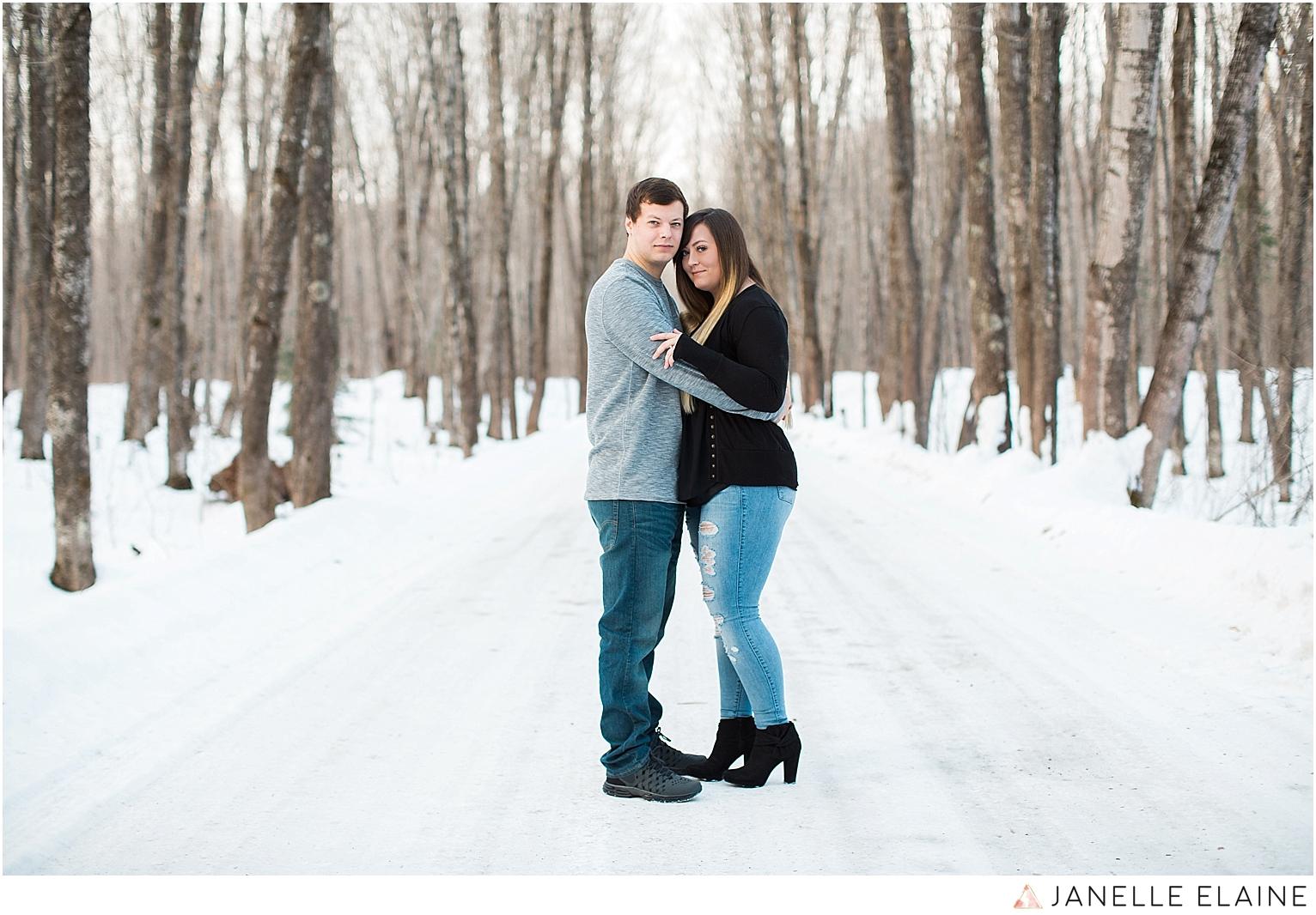 seattle-washington-engagement-photographers-janelle elaine-44.jpg