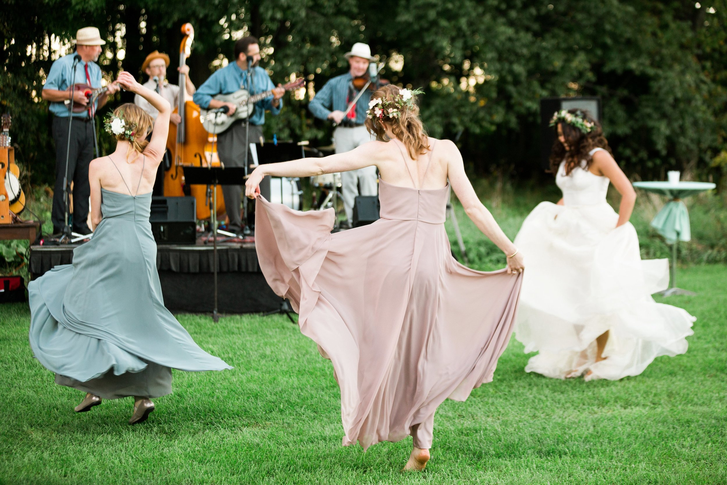 bridesmaids dancing live band outdoor summer wedding seattle washington.jpg