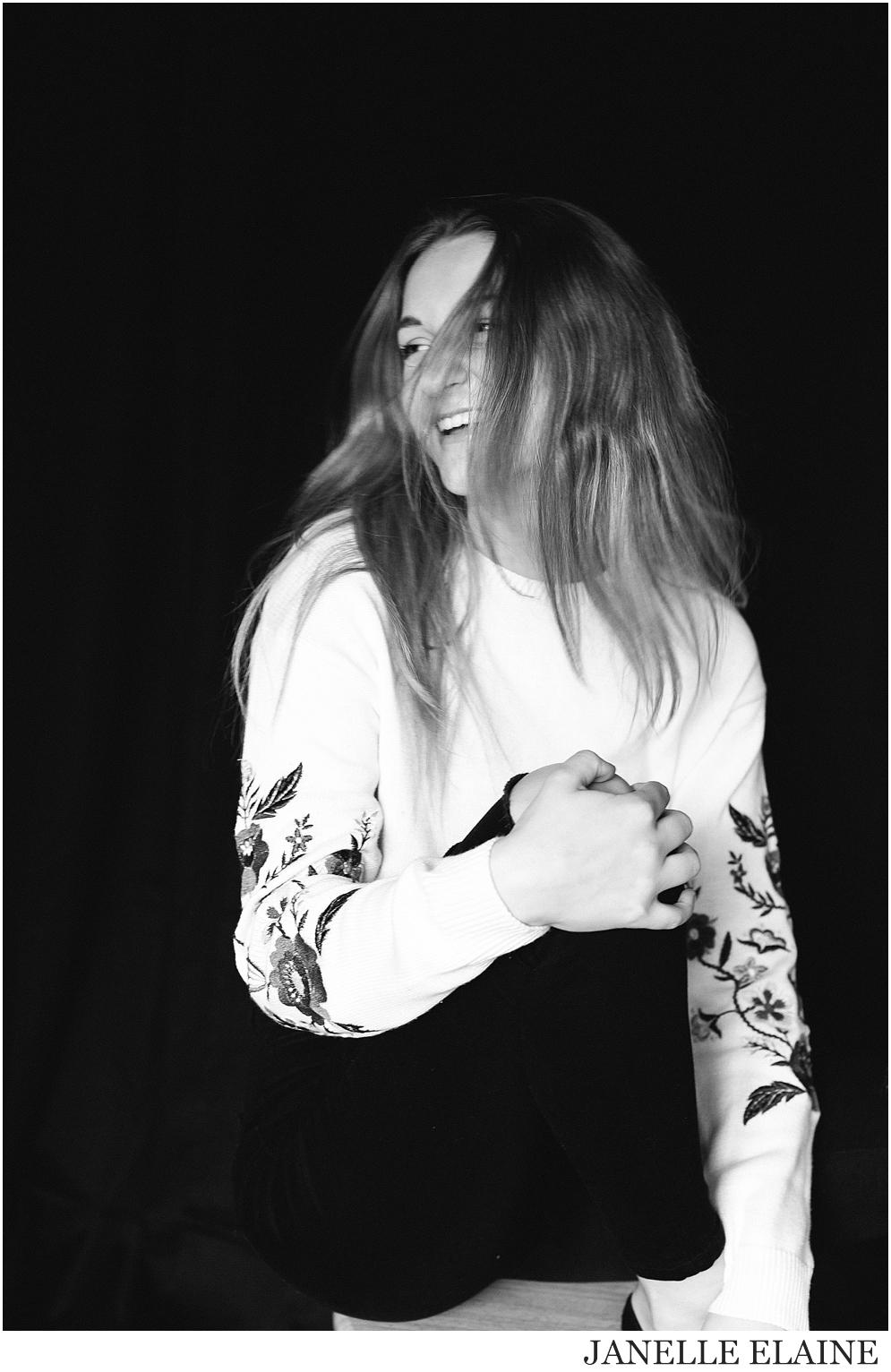 kirsi-seattle-wa-portrait photography-janelle elaine photography-43.jpg