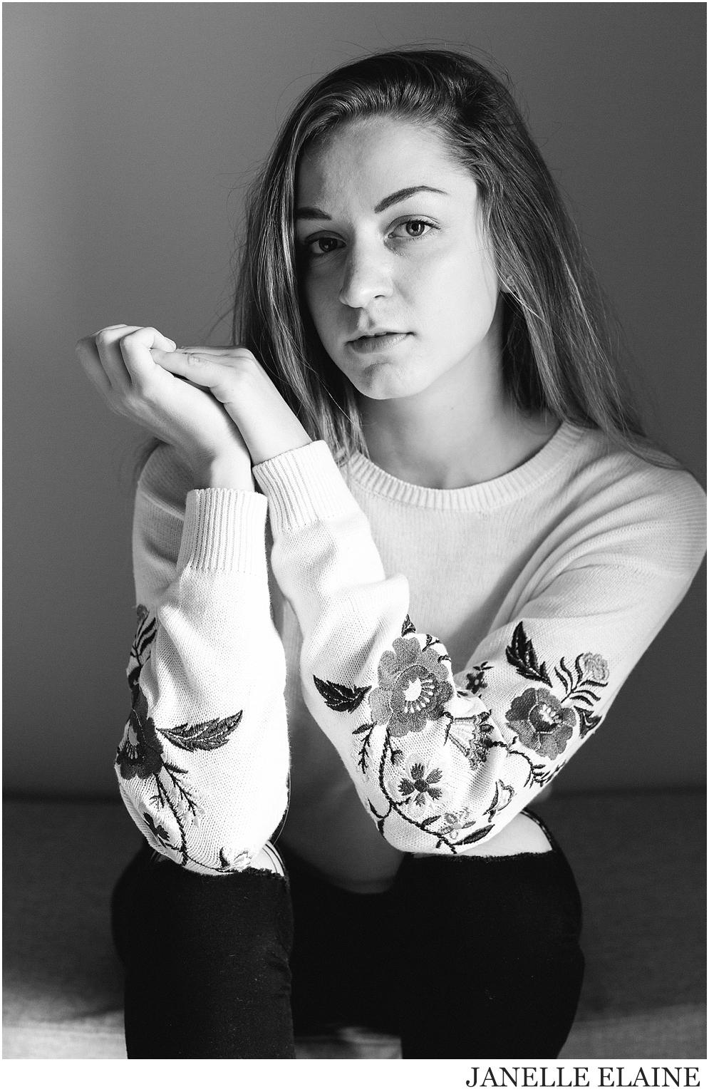 kirsi-seattle-wa-portrait photography-janelle elaine photography-57.jpg