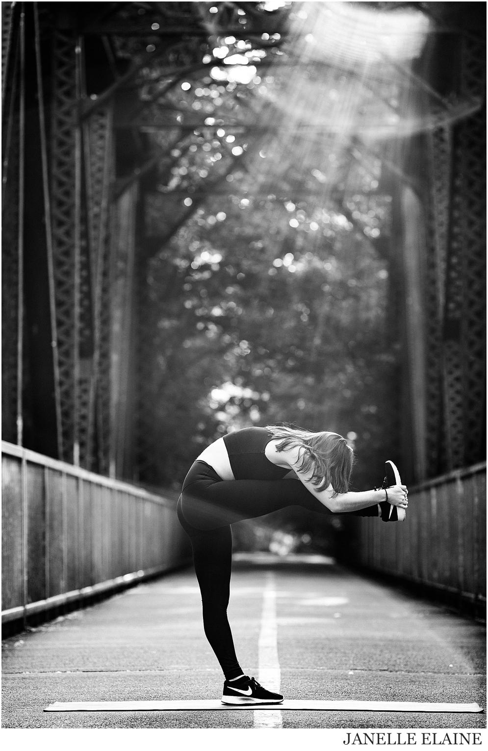 Serena-Yoga Branding-Photo Session-Renton, WA-Janelle Elaine Photography-49.jpg