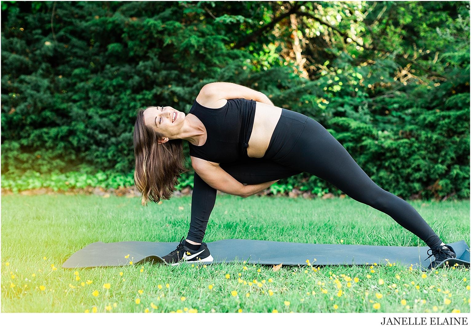 Serena-Yoga Branding-Photo Session-Renton, WA-Janelle Elaine Photography-66.jpg