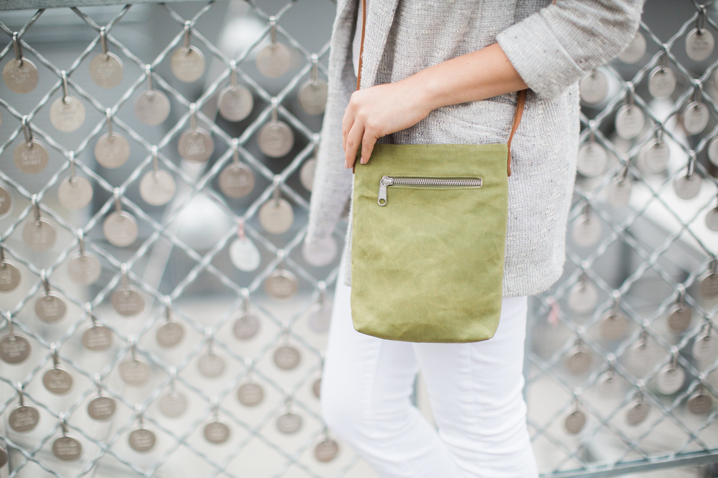 sathi-portrait-crossbody-janelle elaine photography-10.jpg