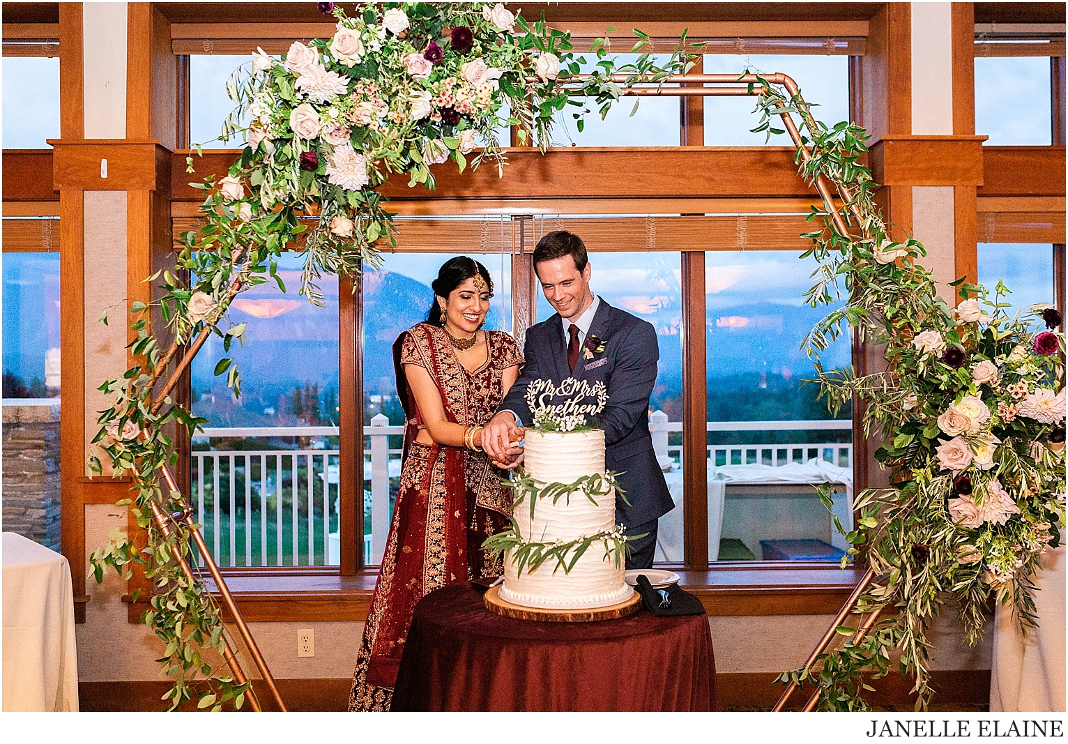 snethen wedding-club at snoqualmie ridge-oak and fig floral-glam by niha-the last bite-kp style events-seattle portrait photographer-washington-92.jpg